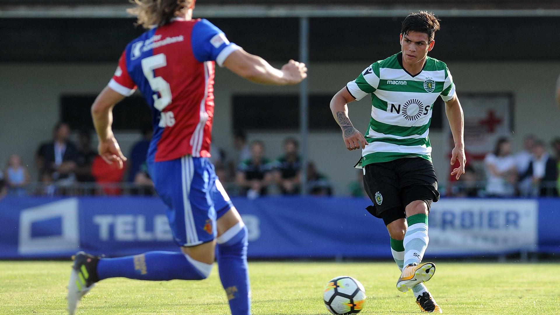 Sporting: Jonathan Silva fica para concorrer com Fábio Coentrão