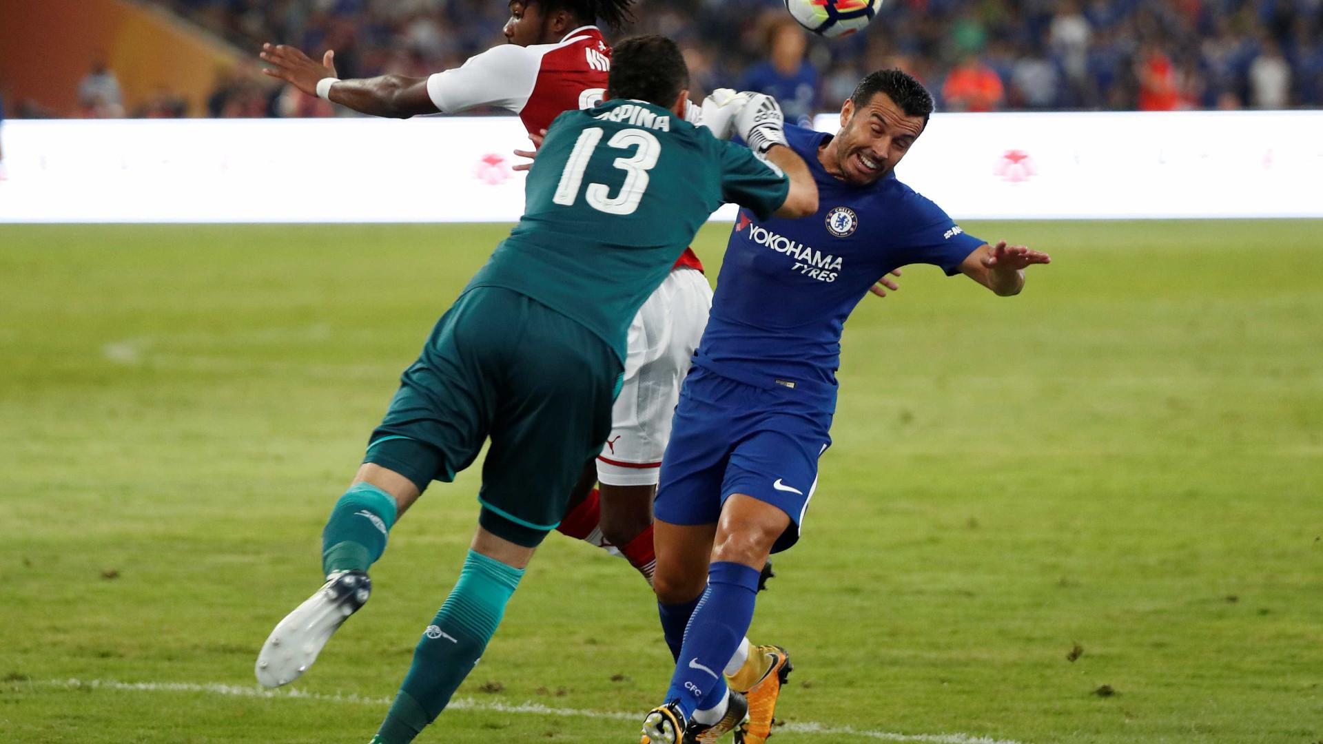 Chelsea vence Arsenal, com bis de Batshuayi