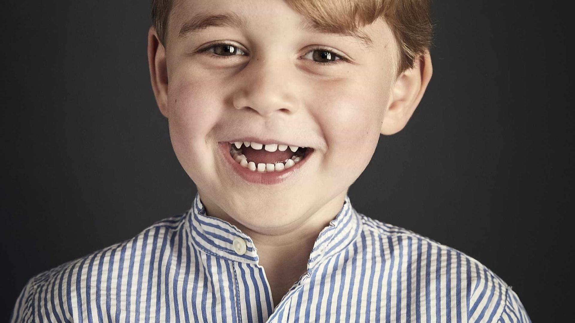 Kate Middleton e príncipe William proíbem os filhos de usar aparelhos eletrônicos