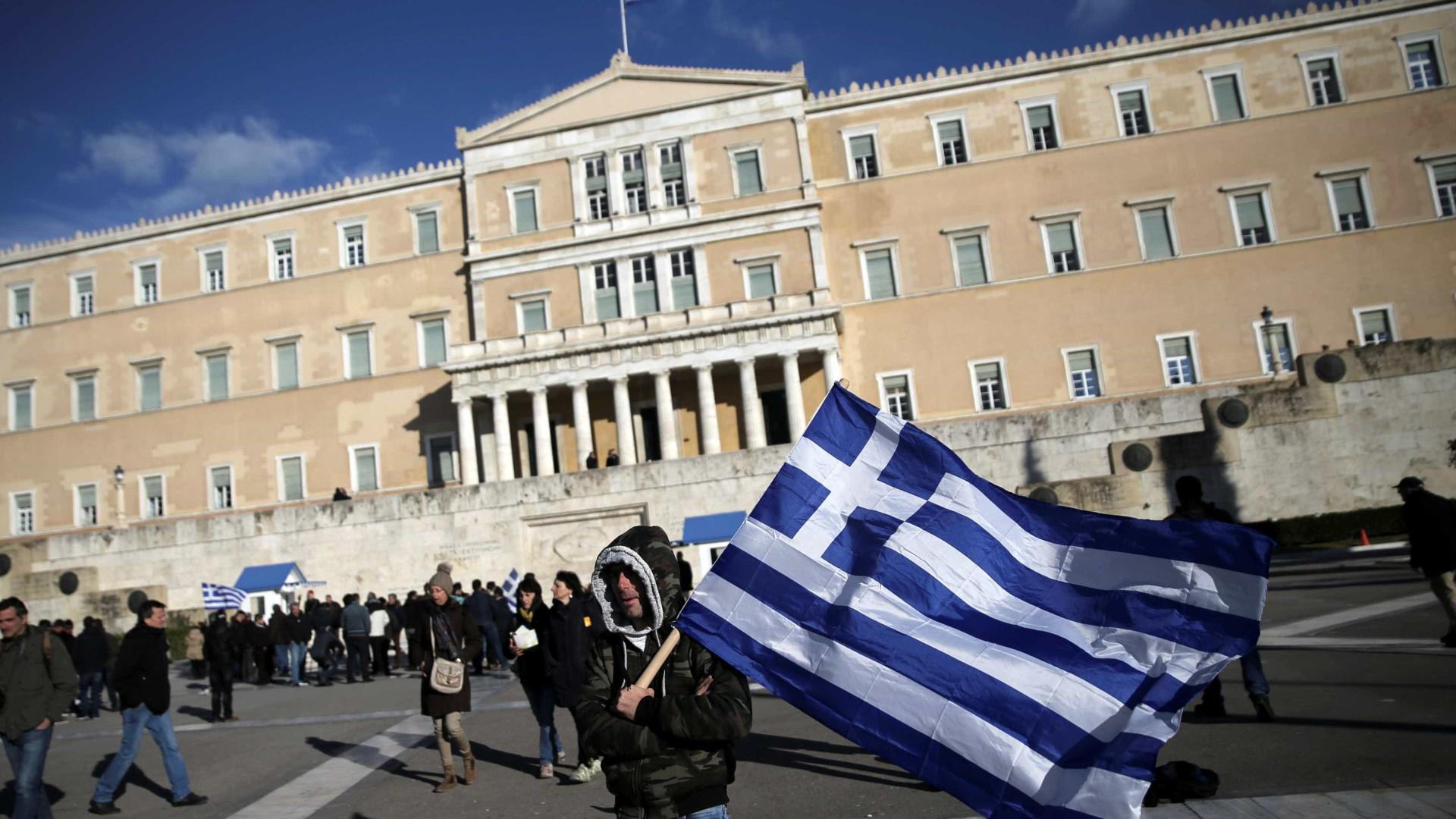 Grécia: Tesouro coloca dívida a seis meses a um juro inferior de 2,5%