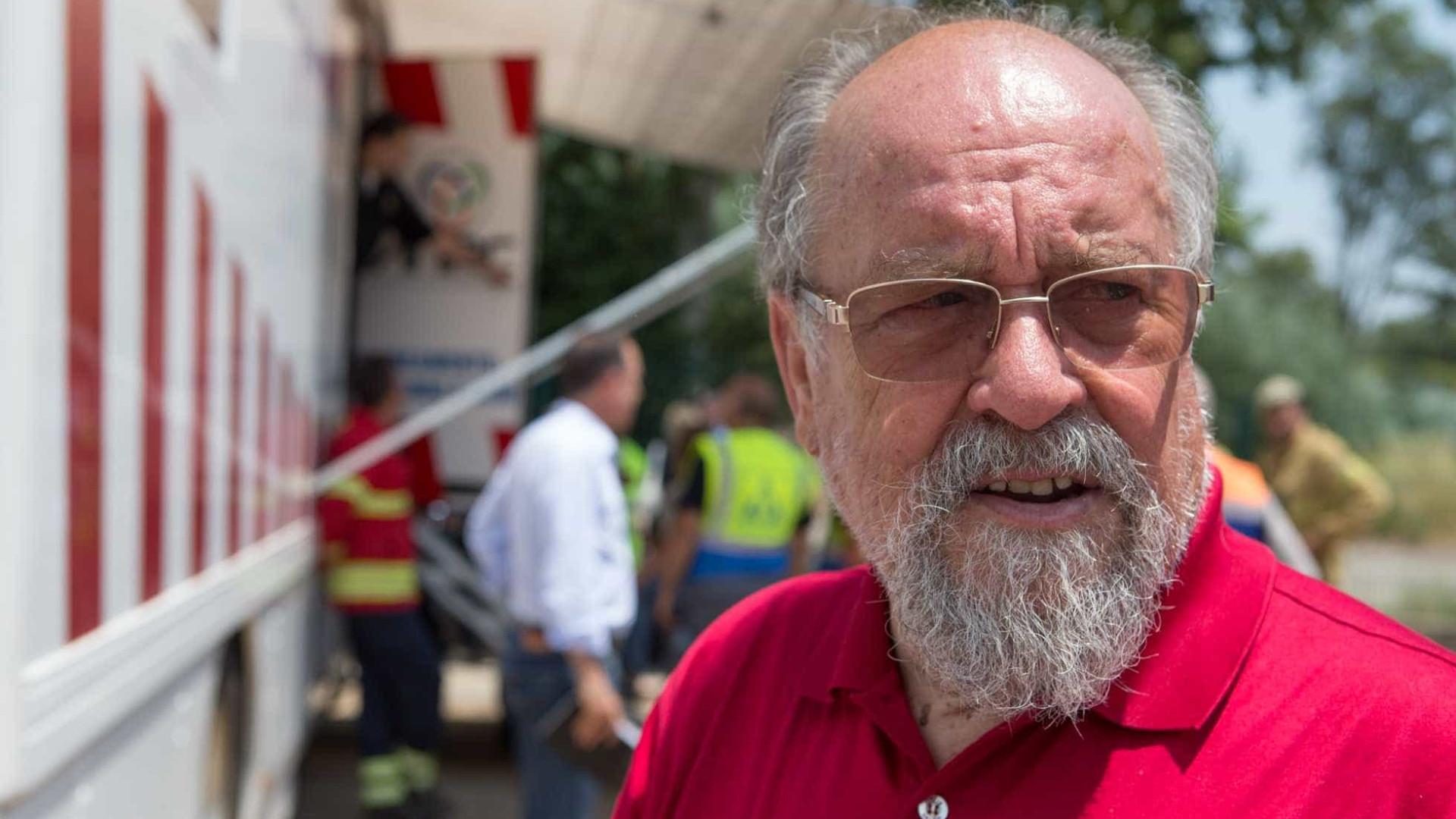 """Liga dos bombeiros acusa Governo de fazer reforma """"aviltante"""" nas costas"""