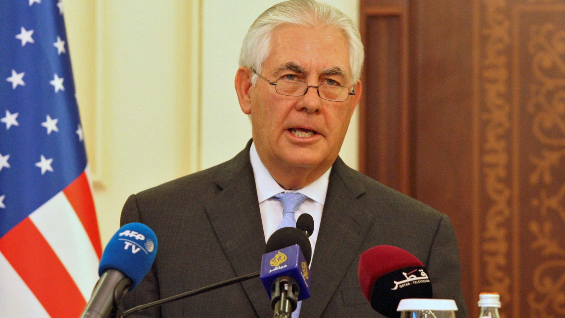 Birmânia desmente abusos contra rohingya antes de Tillerson chegar