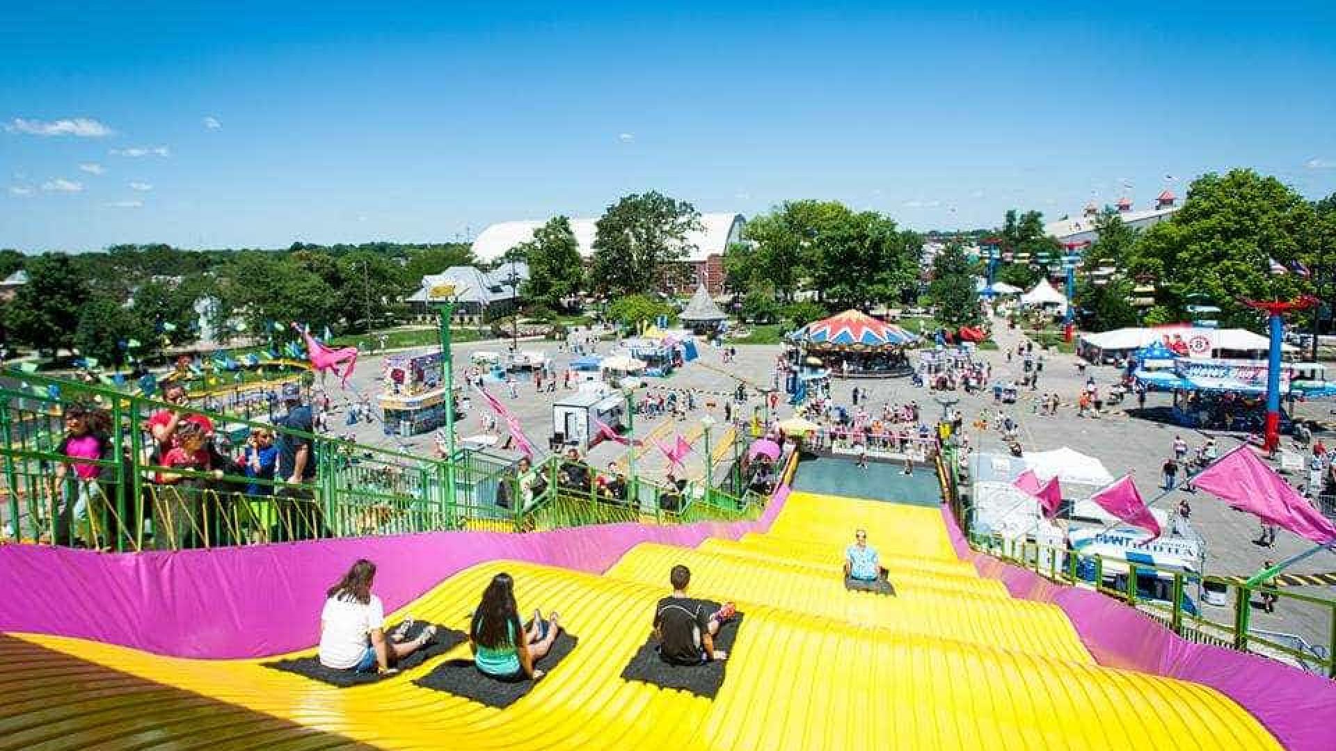 Acidente em parque de diversões faz um morto e sete feridos