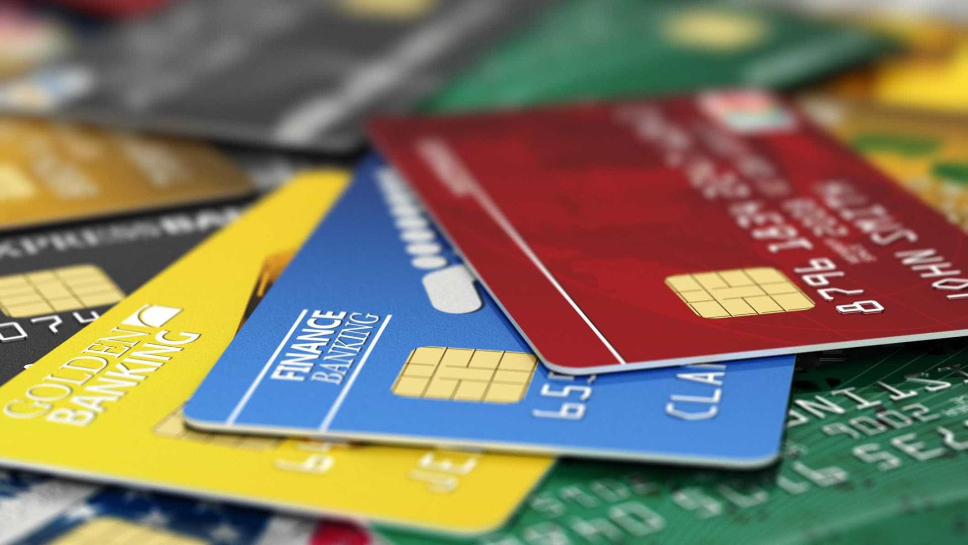 Roubaram cartão bancário, mas devolveram depois de levantarem dinheiro
