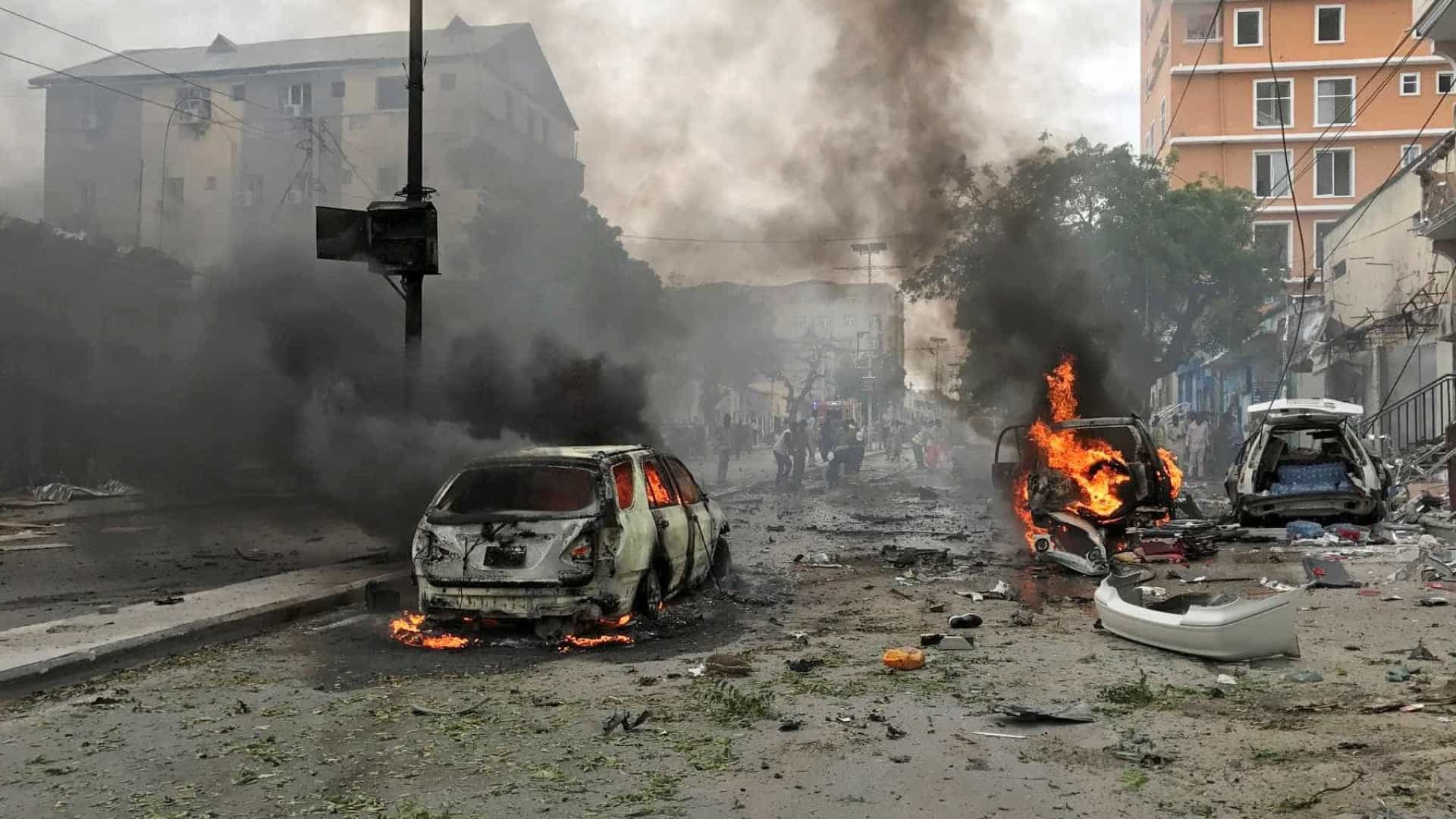 Atentado na Somália deixa centenas de mortos