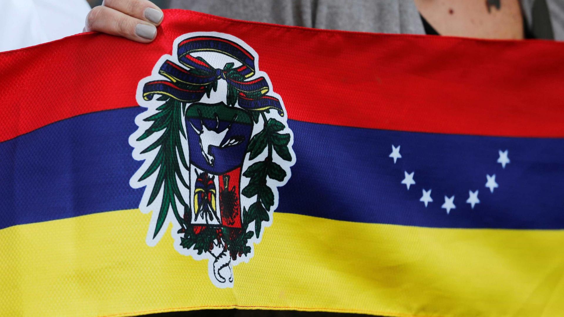 Treze países americanos condenam detenção de Juan Guaidó