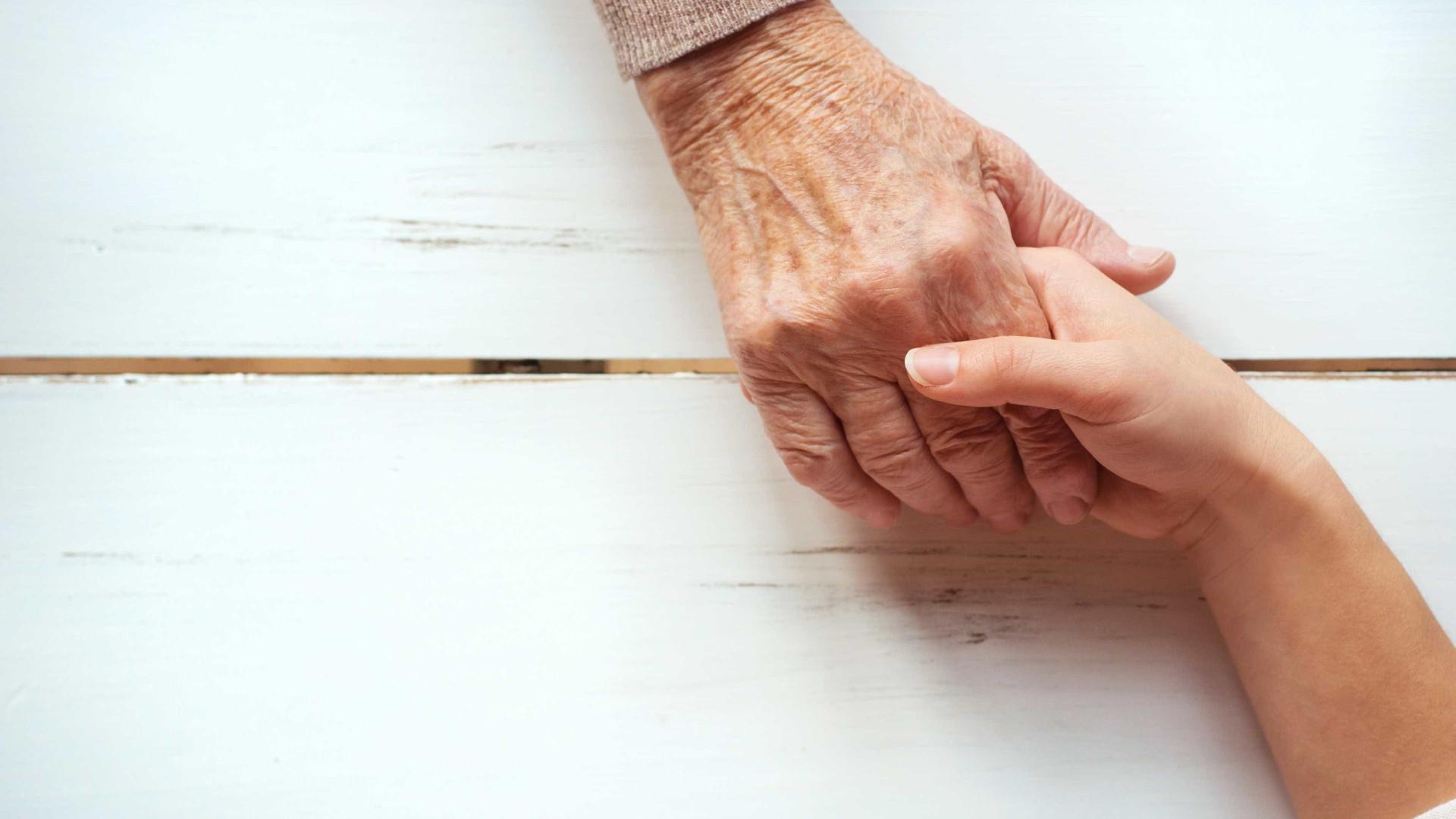 Doença rara que leva à paralisia dos músculos está a afetar mais idosos