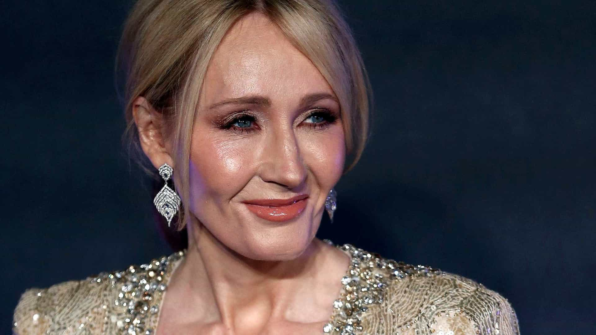 JK Rowling pede desculpas por críticas a Donald Trump