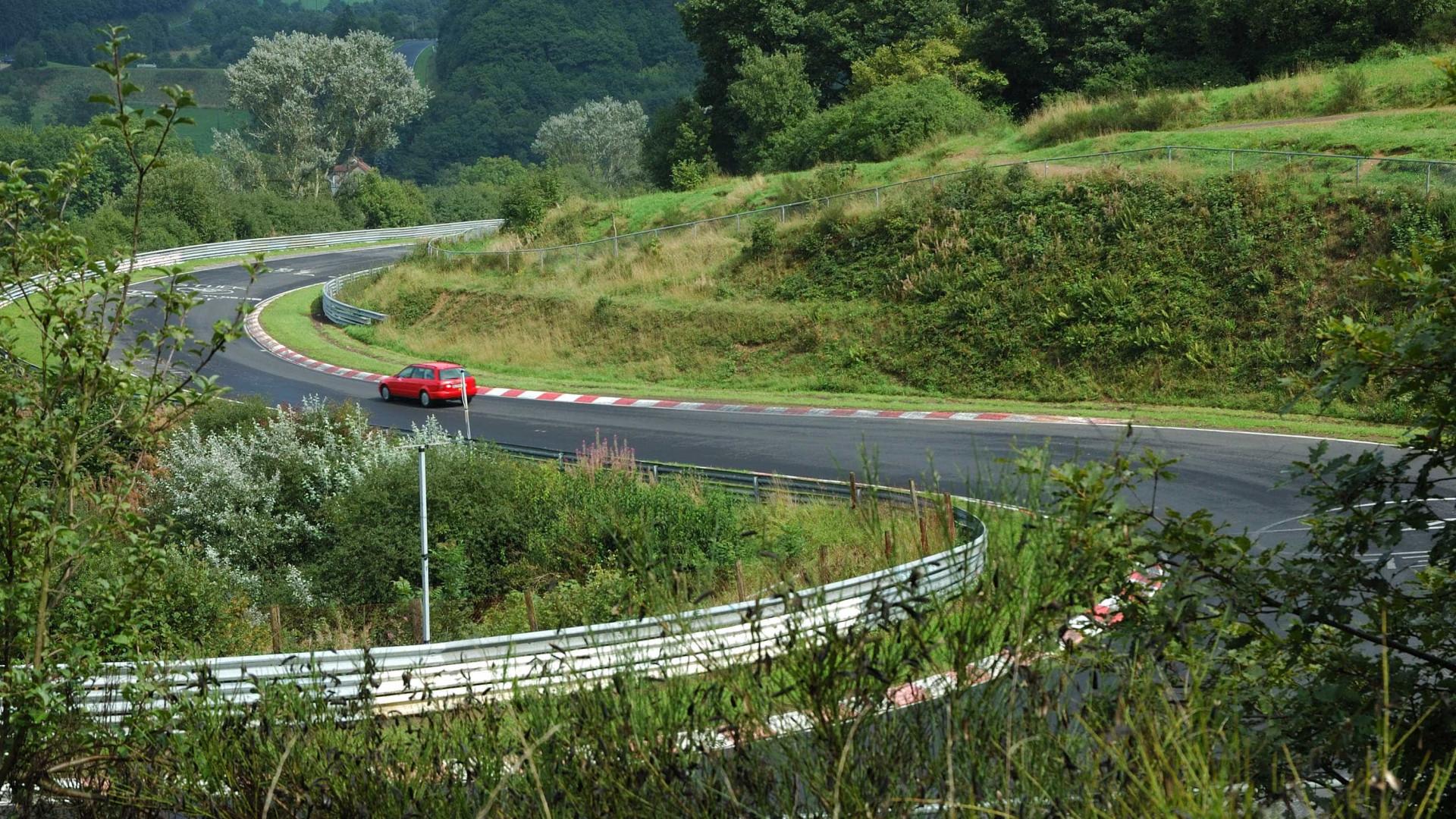 Mini-Schumacher apanhado a conduzir em Nürburgring