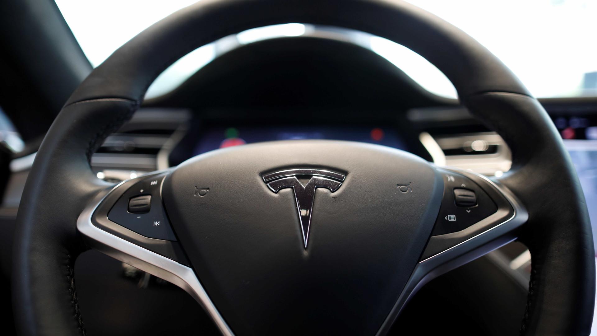 Tesla recebe 1.800 encomendas do Model 3… por dia