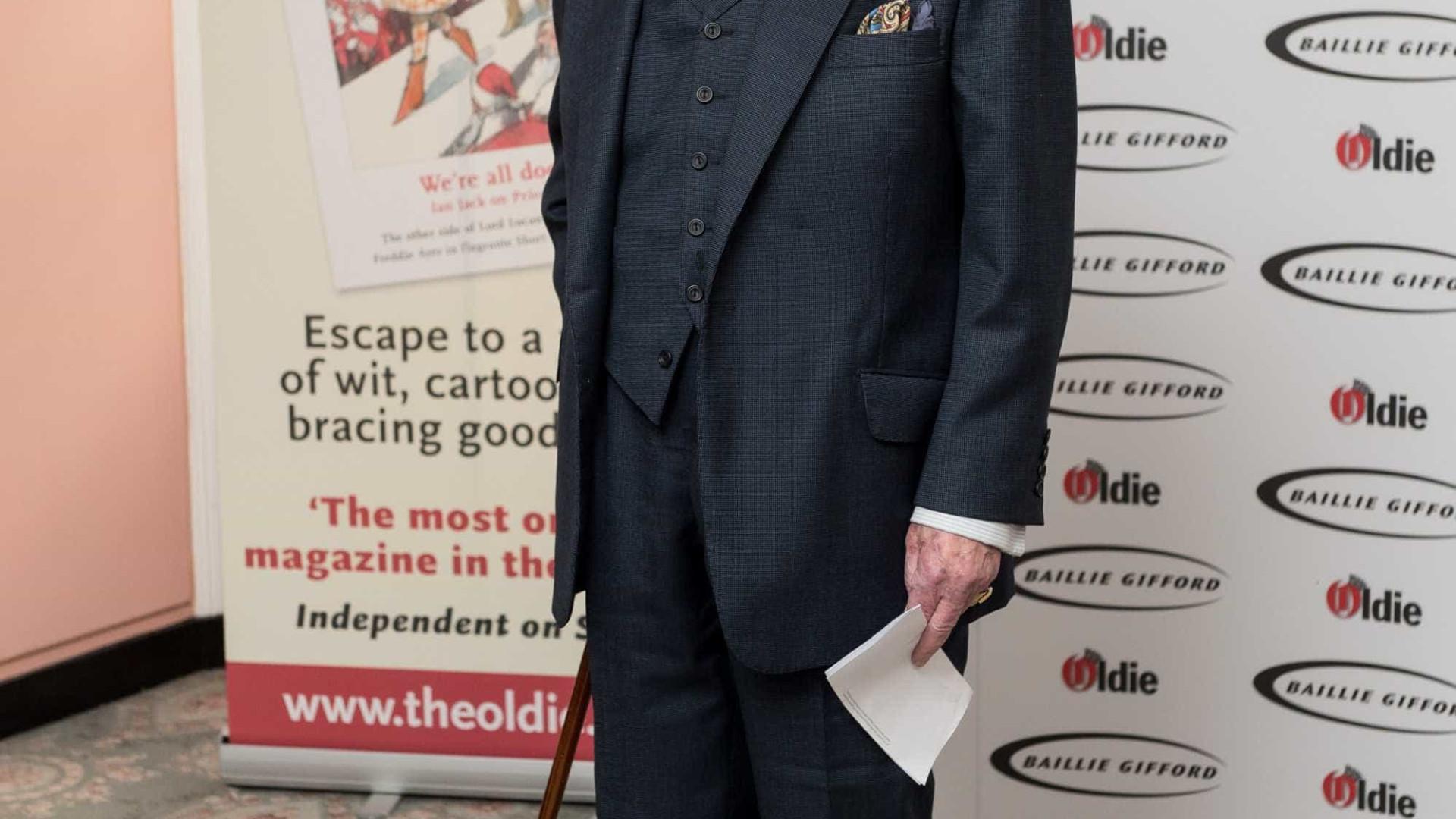 Robert Hardy, ator de 'Harry Potter', morre aos 91 anos