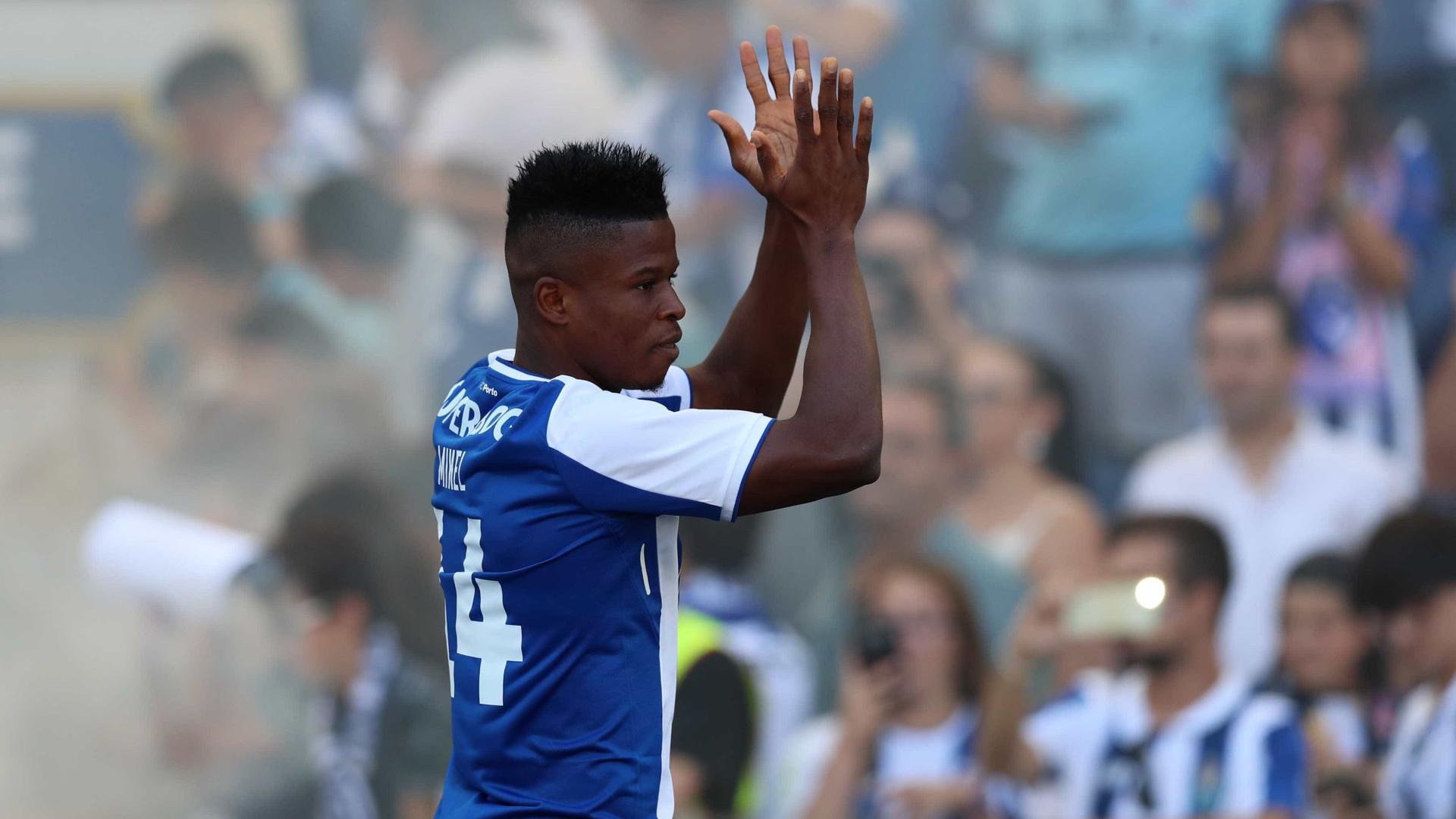 Mikel Agu emprestado ao Bursaspor (OFICIAL) — FC Porto