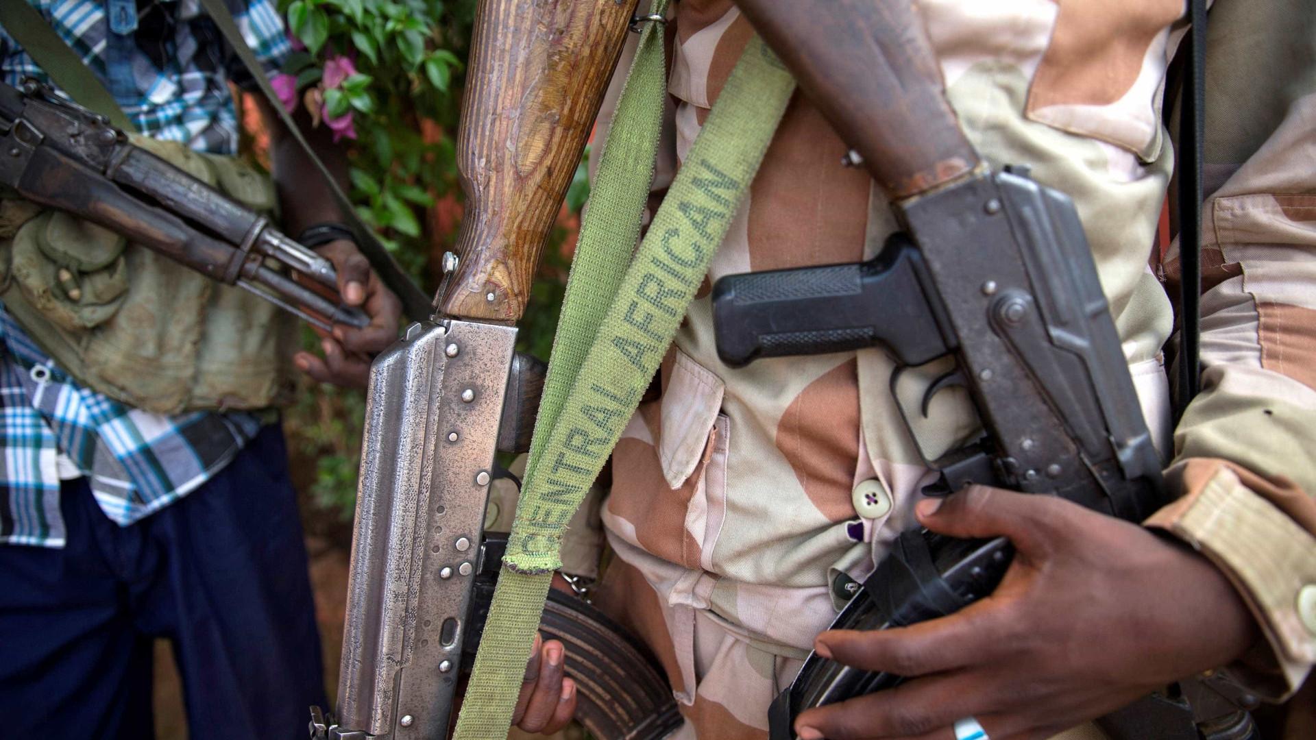 Dez mortos e 29 feridos em ataque com granadas num bar na RCA