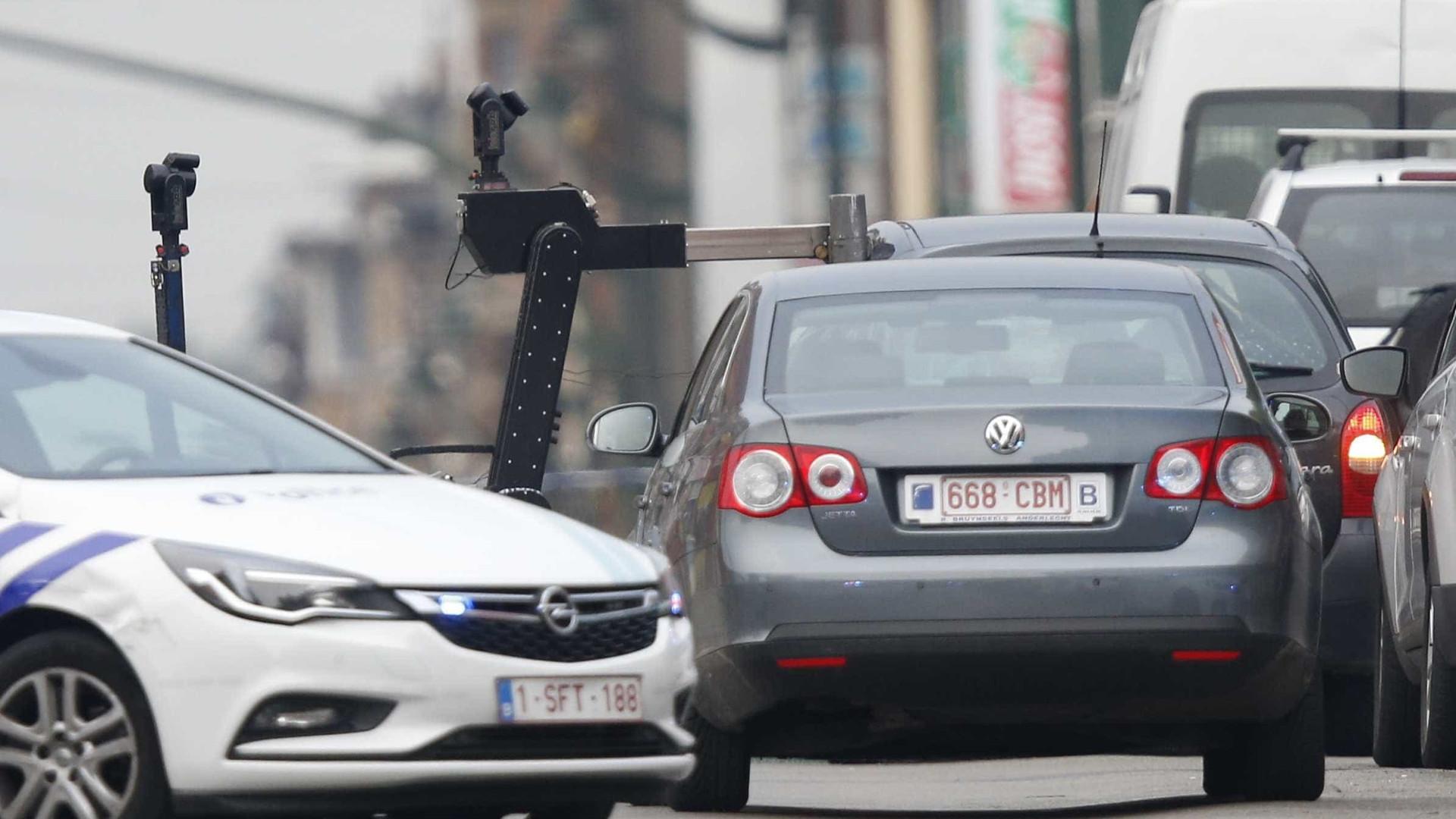 Bélgica. Interceptada viatura que poderá ter explosivos