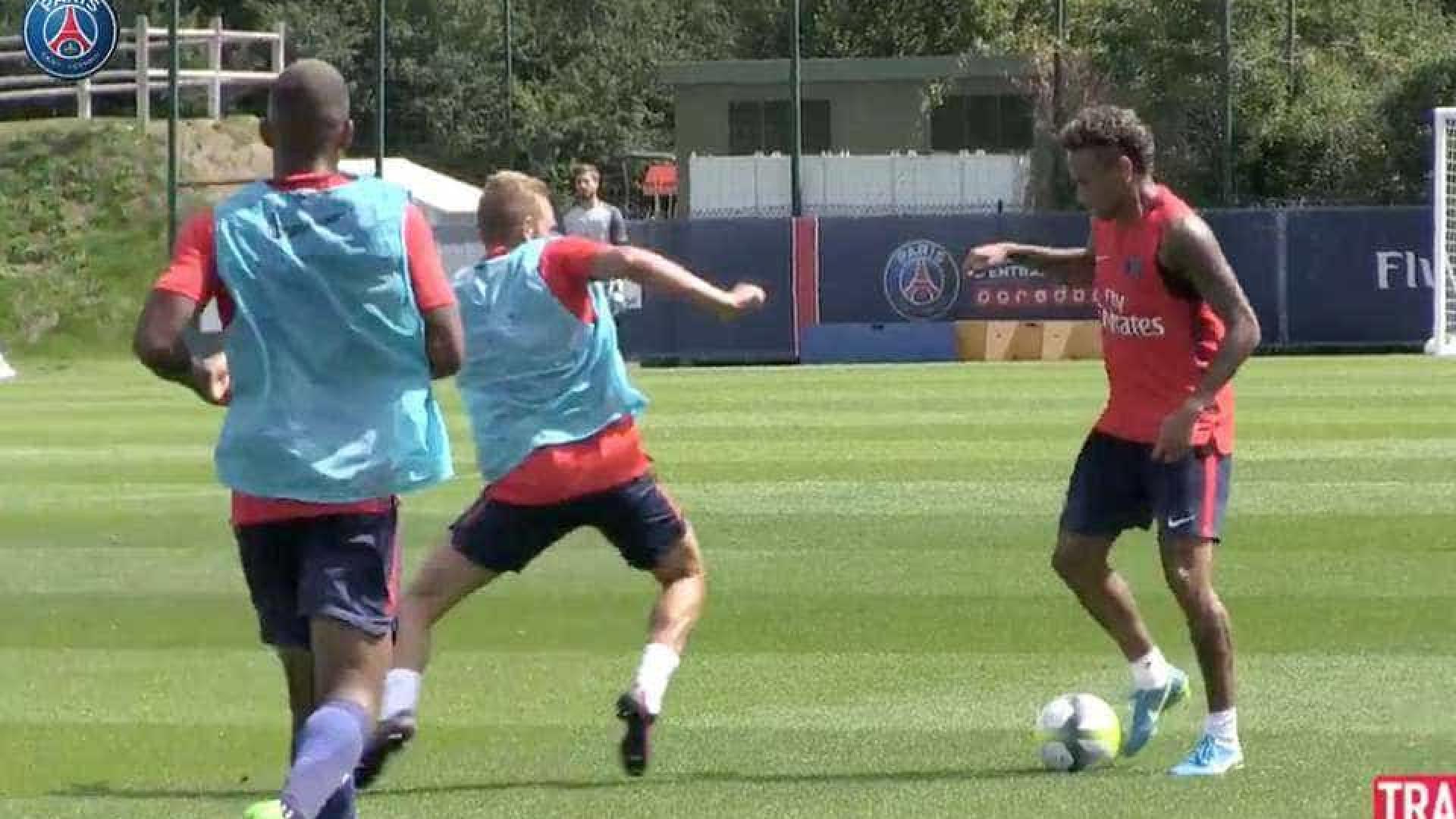 Neymar ainda agora chegou e já brilha nos treinos do PSG