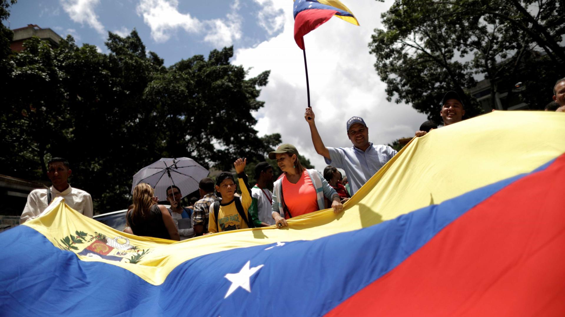 Oposição venezuelana regressa domingo às urnas para eleições primárias