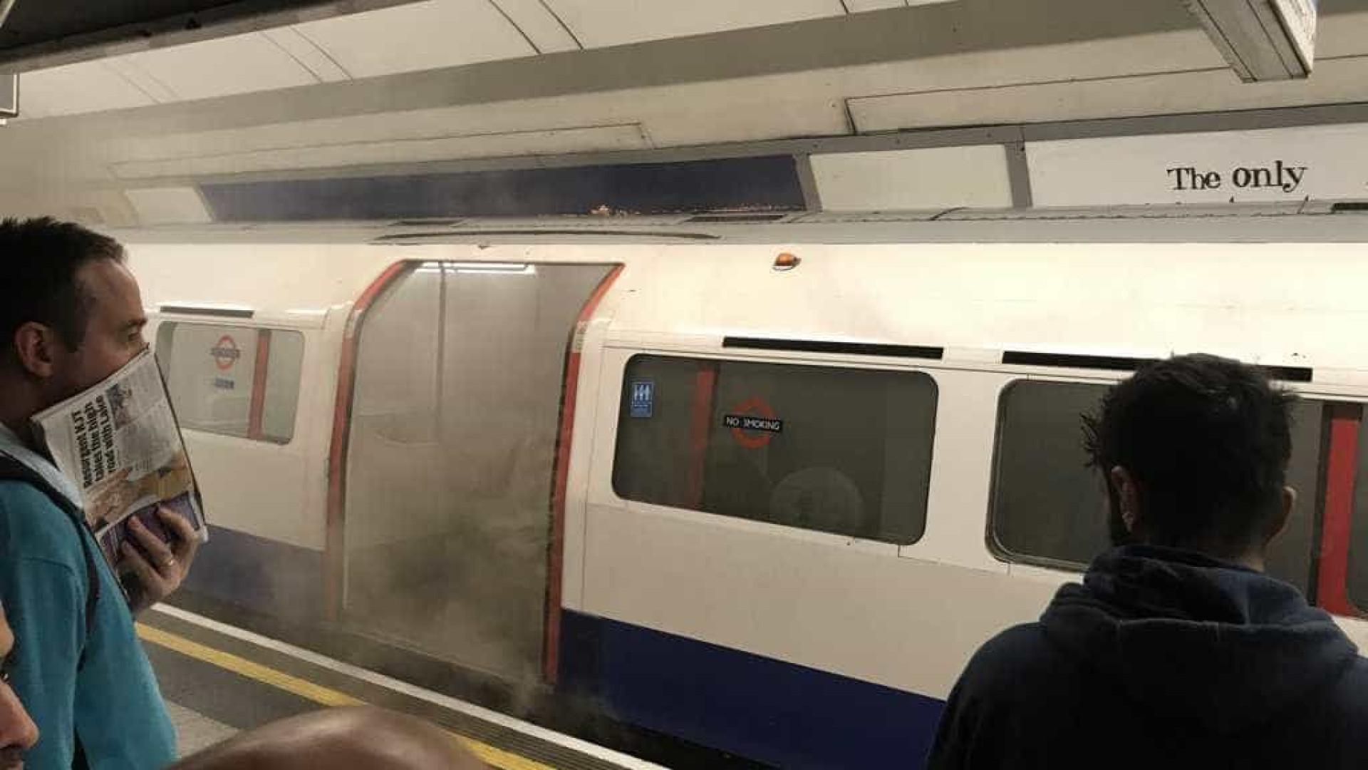 Incêndio obriga a evacuar estação de metro em Londres