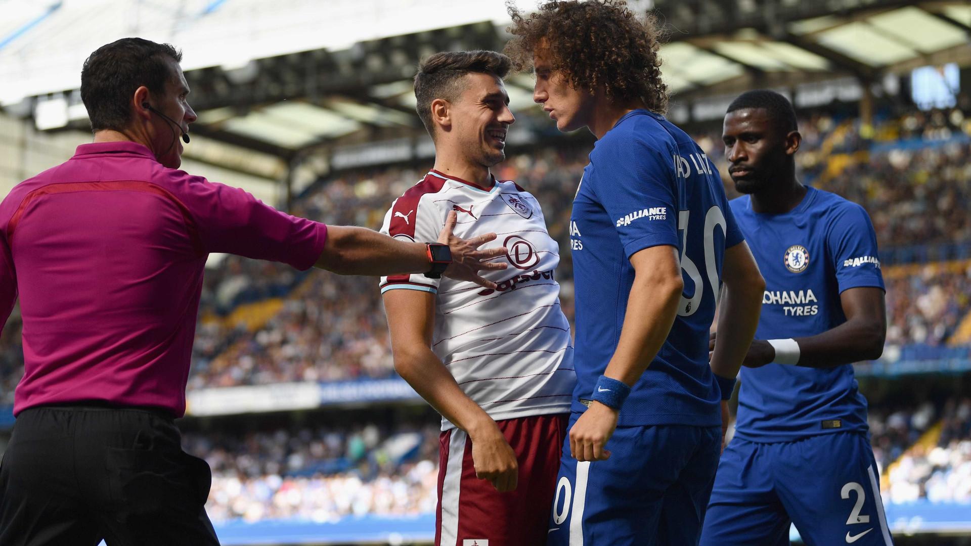 Burnley surpreende e derrota Chelsea no arranque do campeonato