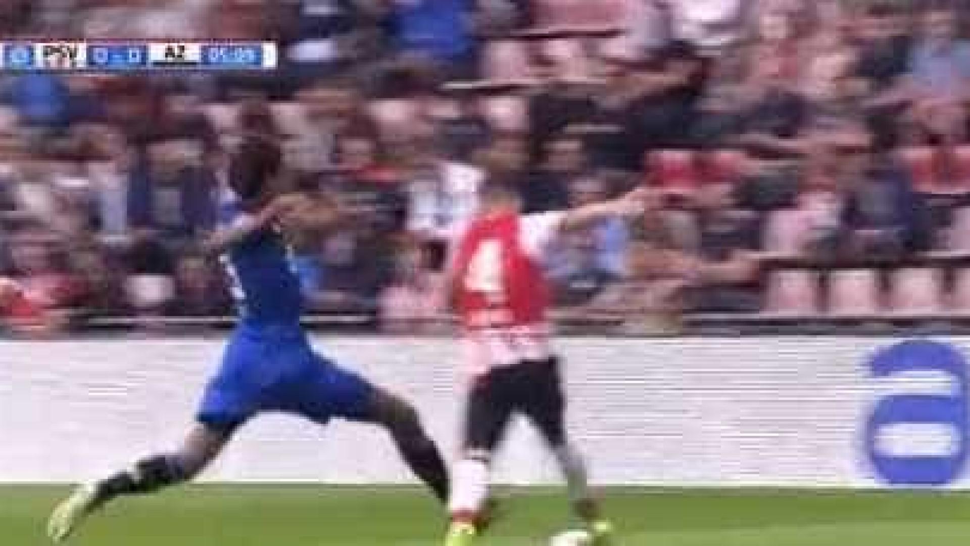 Holanda: Calvin Stengs contrai lesão arrepiante durante o PSV-AZ Alkmaar