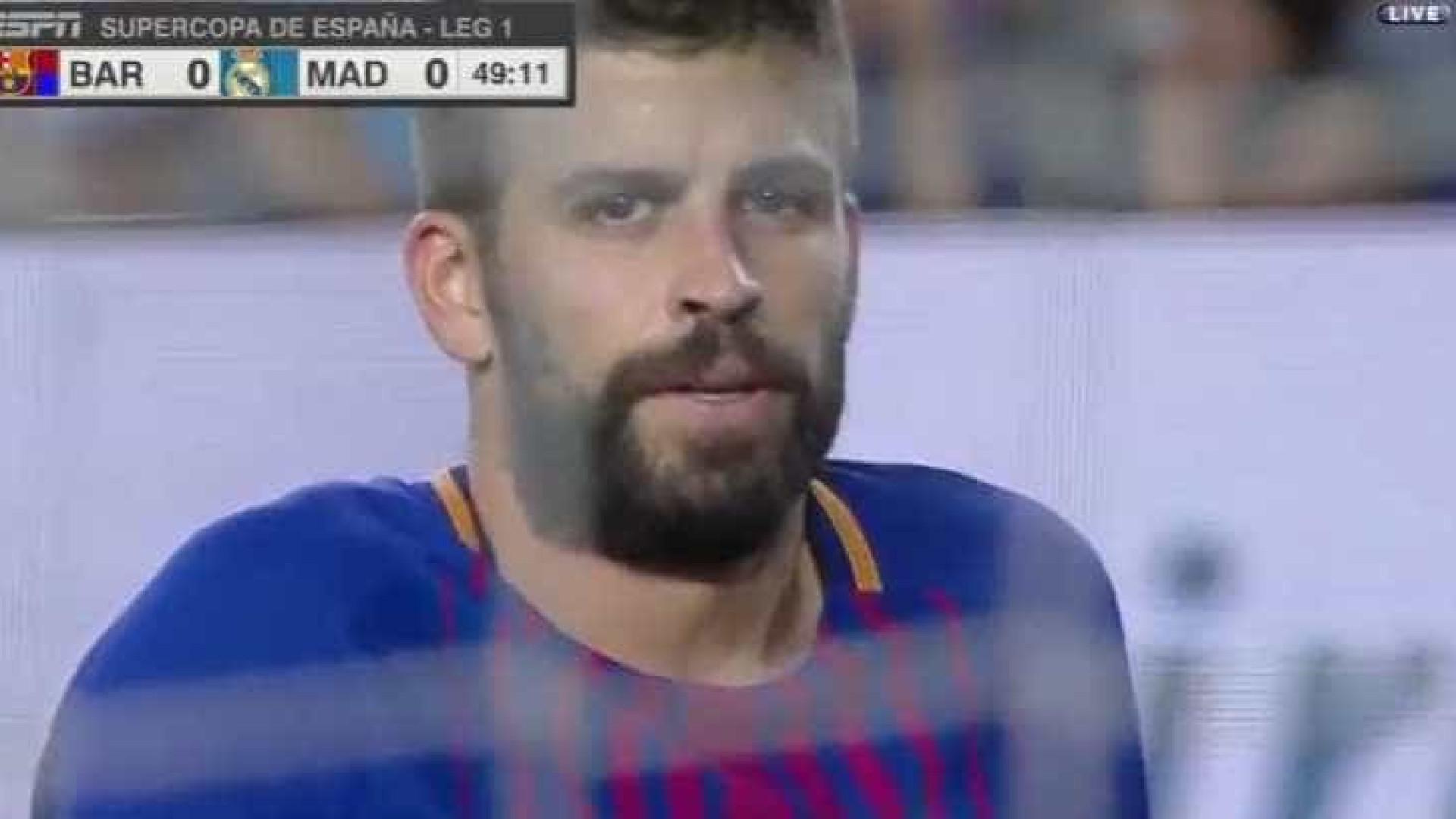 Pesadelo para Piqué: Abriu marcador de El Clásico... na própria baliza
