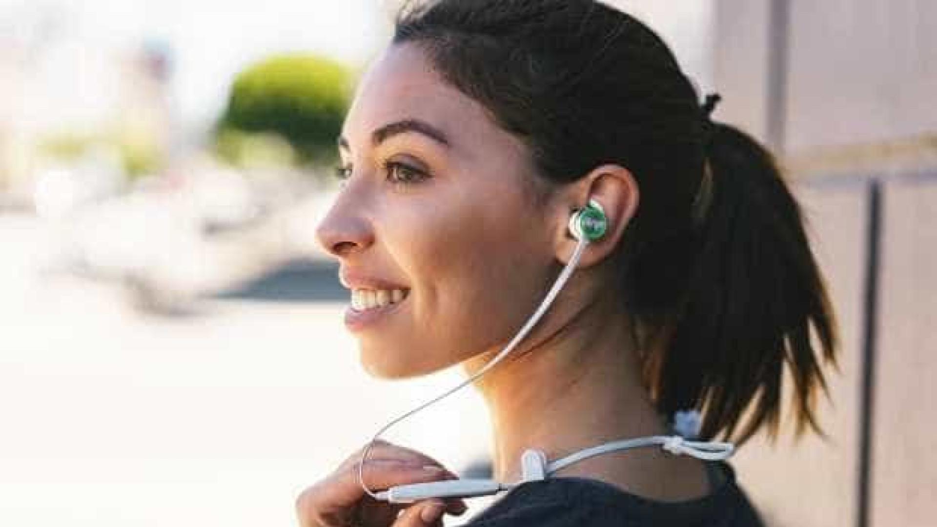 Wearhaus Beam, os phones que mudam de cor e permitem partilha musical