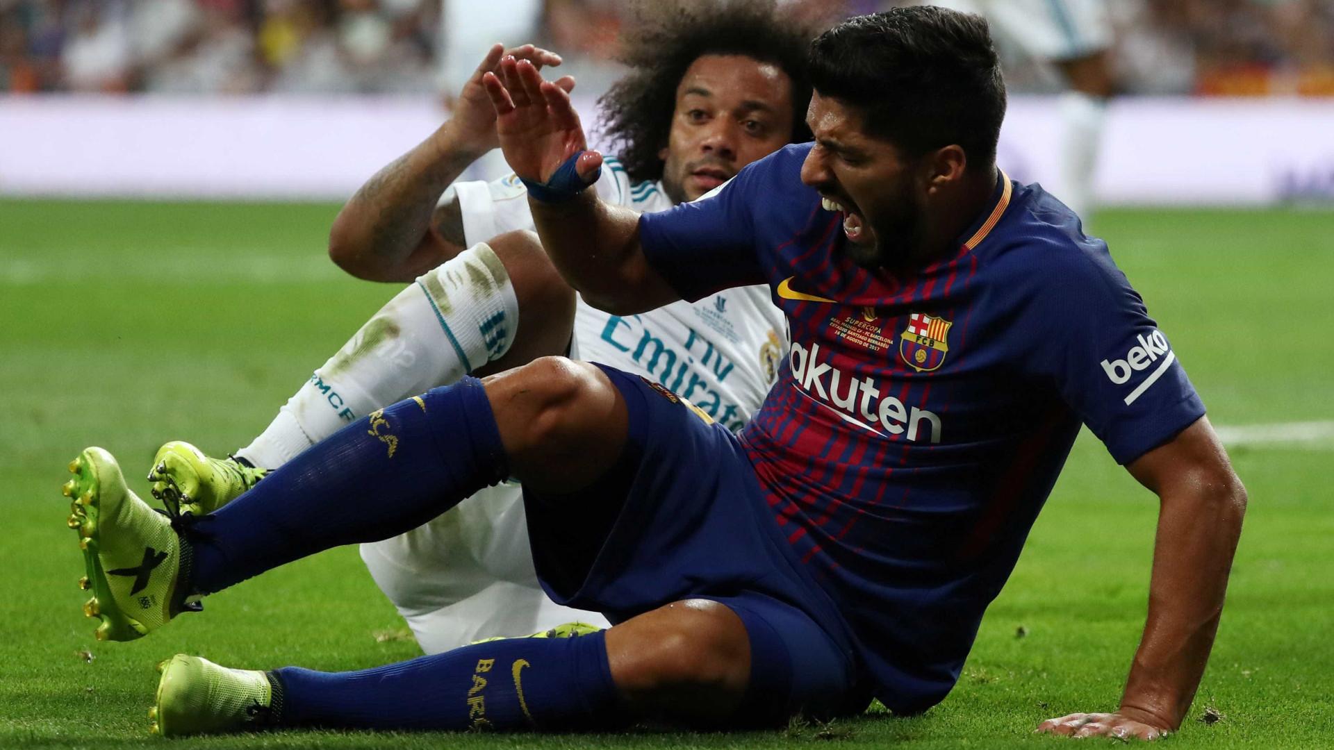Alarme no Barcelona: Luis Suárez vai ficar parado durante quatro semanas