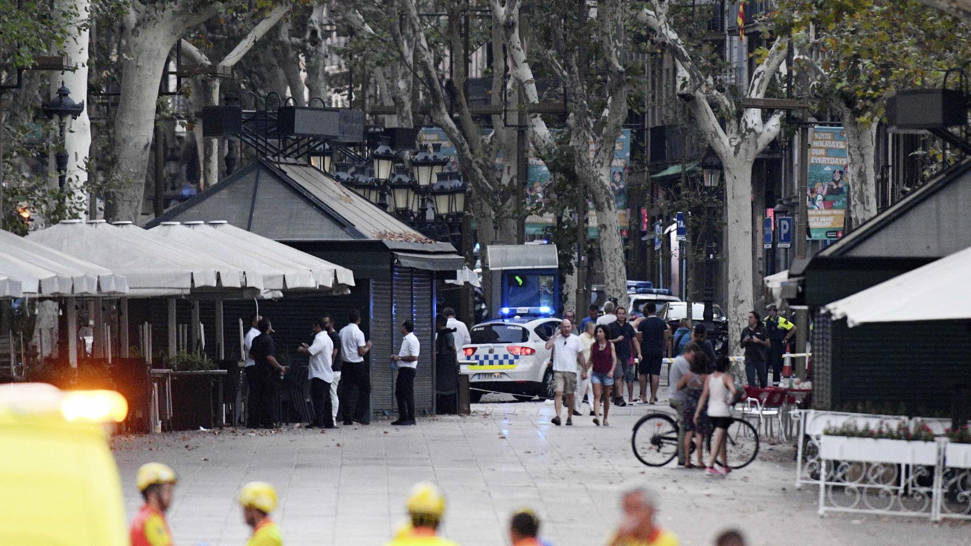 Número de mortos em ataque com van sobe para 15 — Barcelona