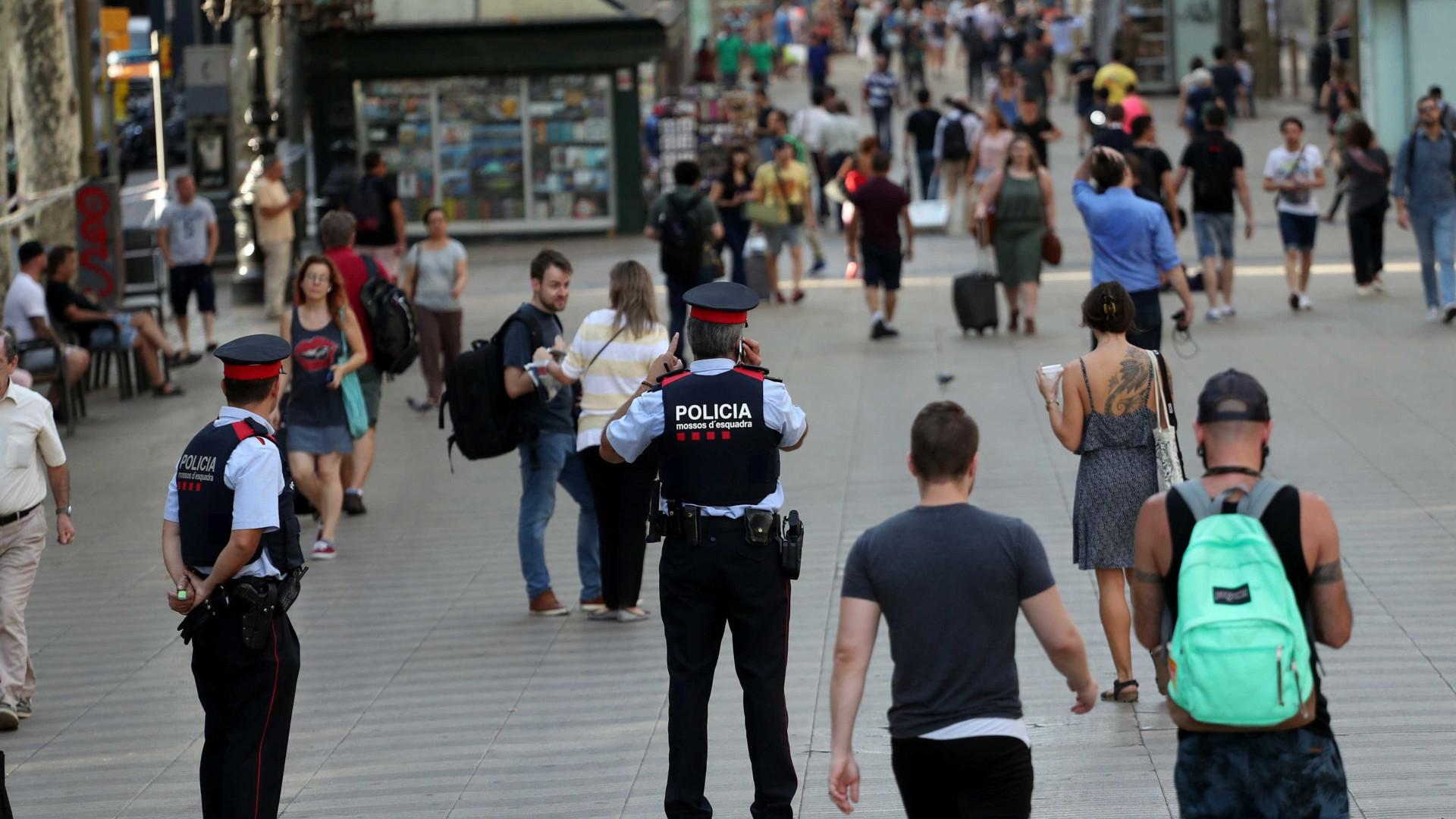 Jihadistas queriam atacar Barcelona com camião, mas não tinham carta