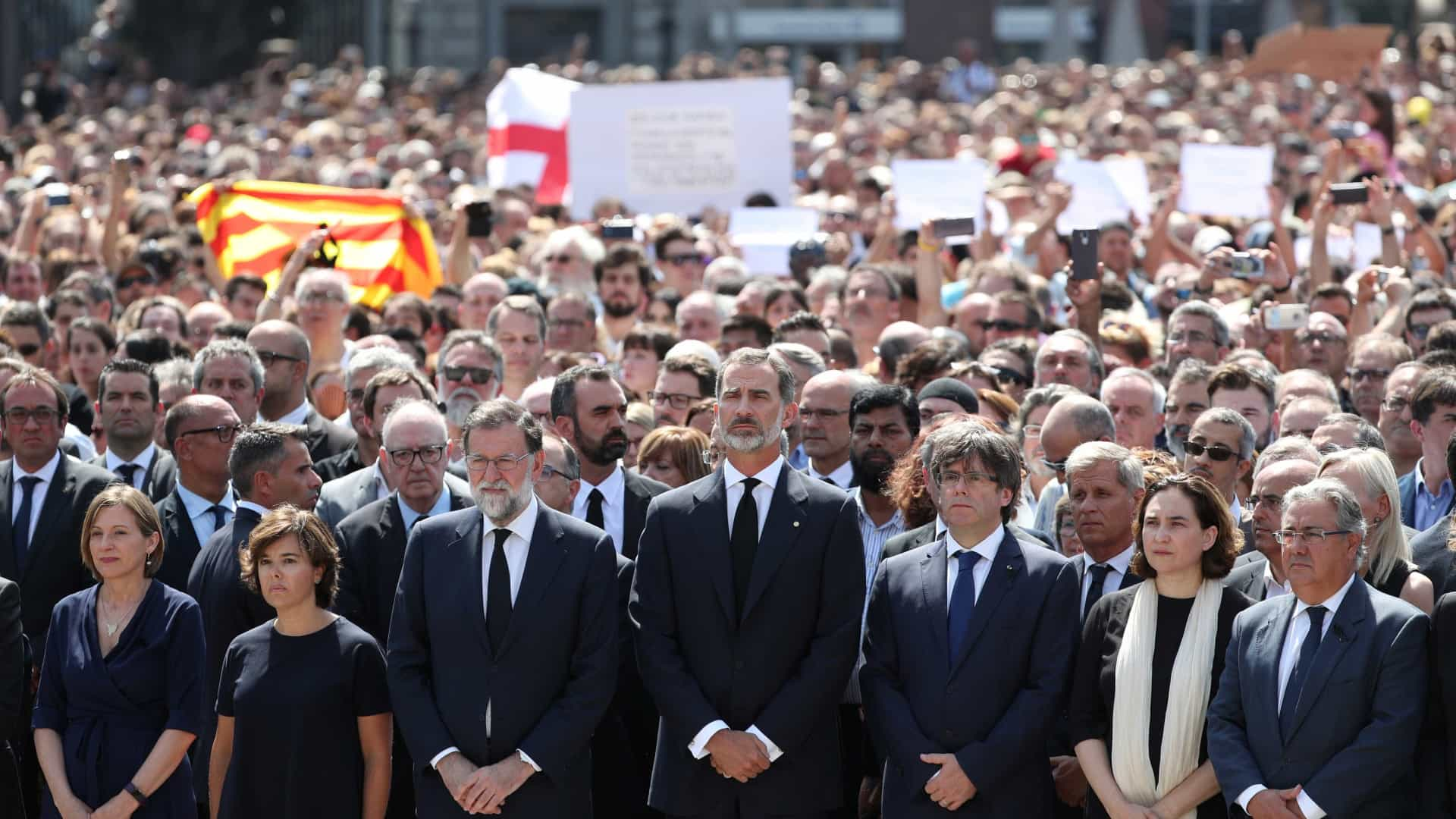 Cumpriu-se minuto de silêncio pelas vítimas do ataque em Barcelona
