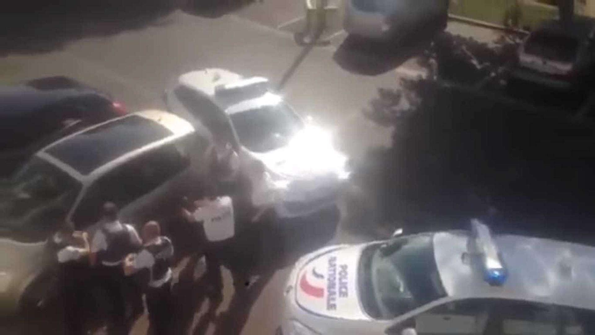 Português emigrado em França ataca polícias com faca e é abatido