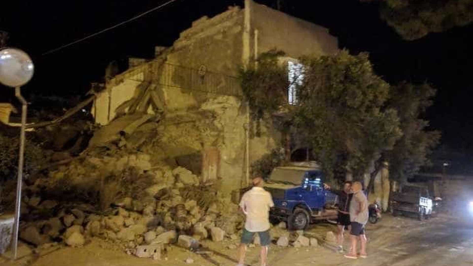 Terramoto em Itália provocou derrocada de edifícios. Há dois mortos