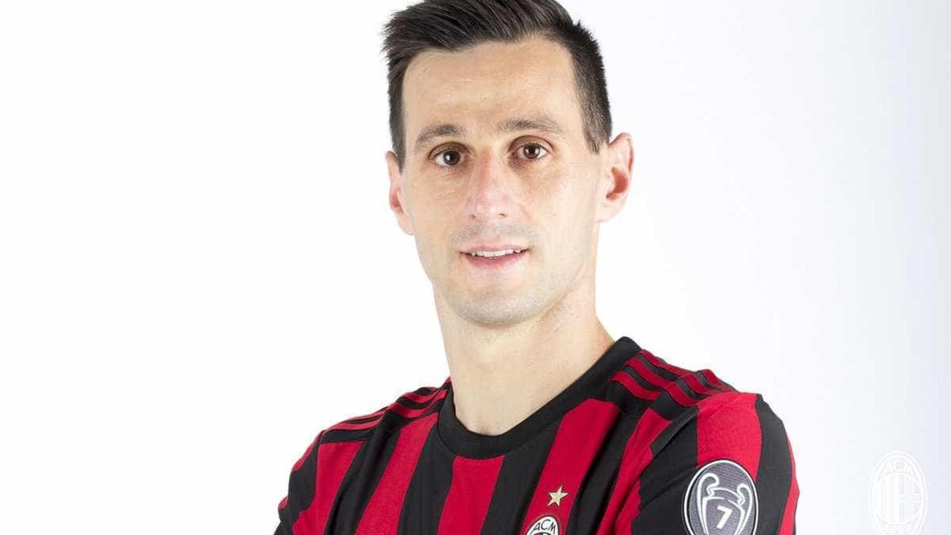 Kalinic junta-se a André Silva no ataque do AC Milan