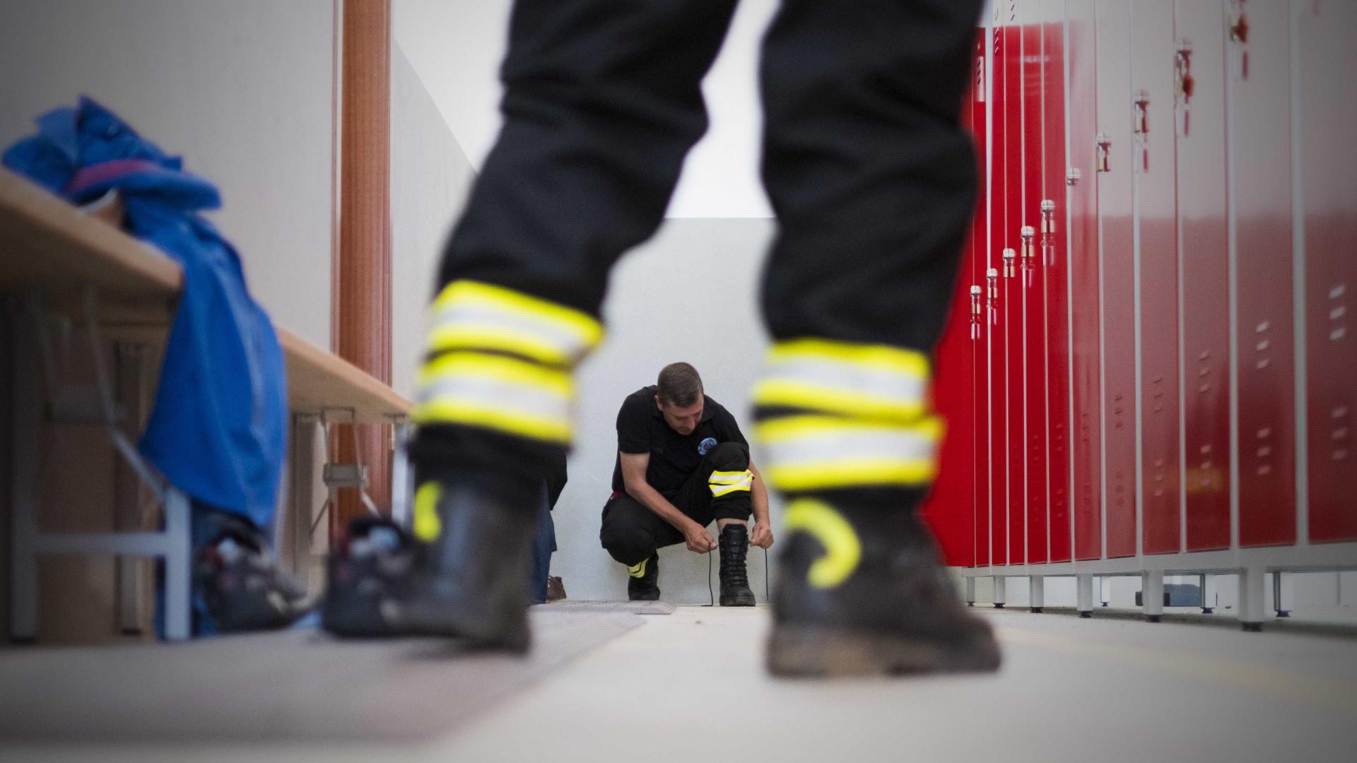 """Fogo em Felgueiras provoca """"danos consideráveis"""" em casa mas sem vítimas"""