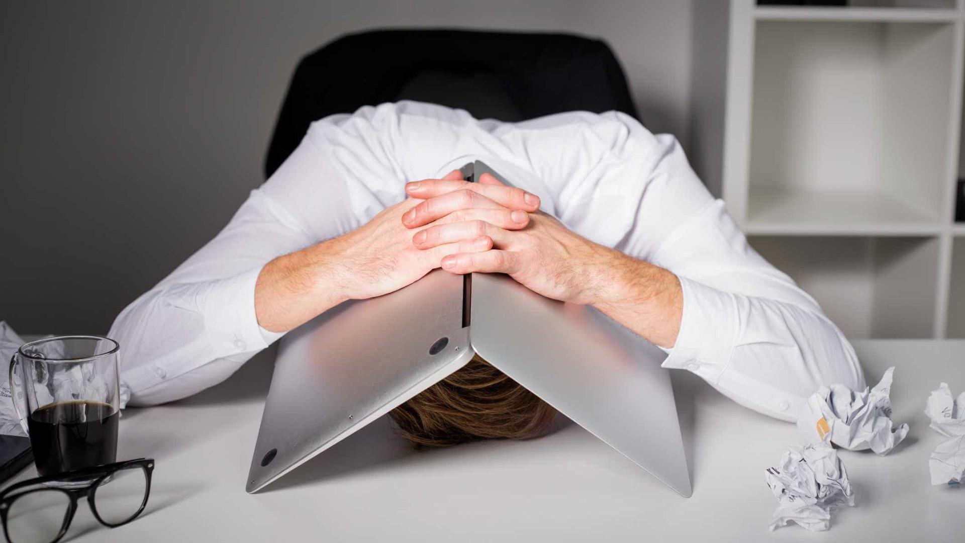 Seis maus hábitos que fazem com que cada vez goste menos de ir trabalhar