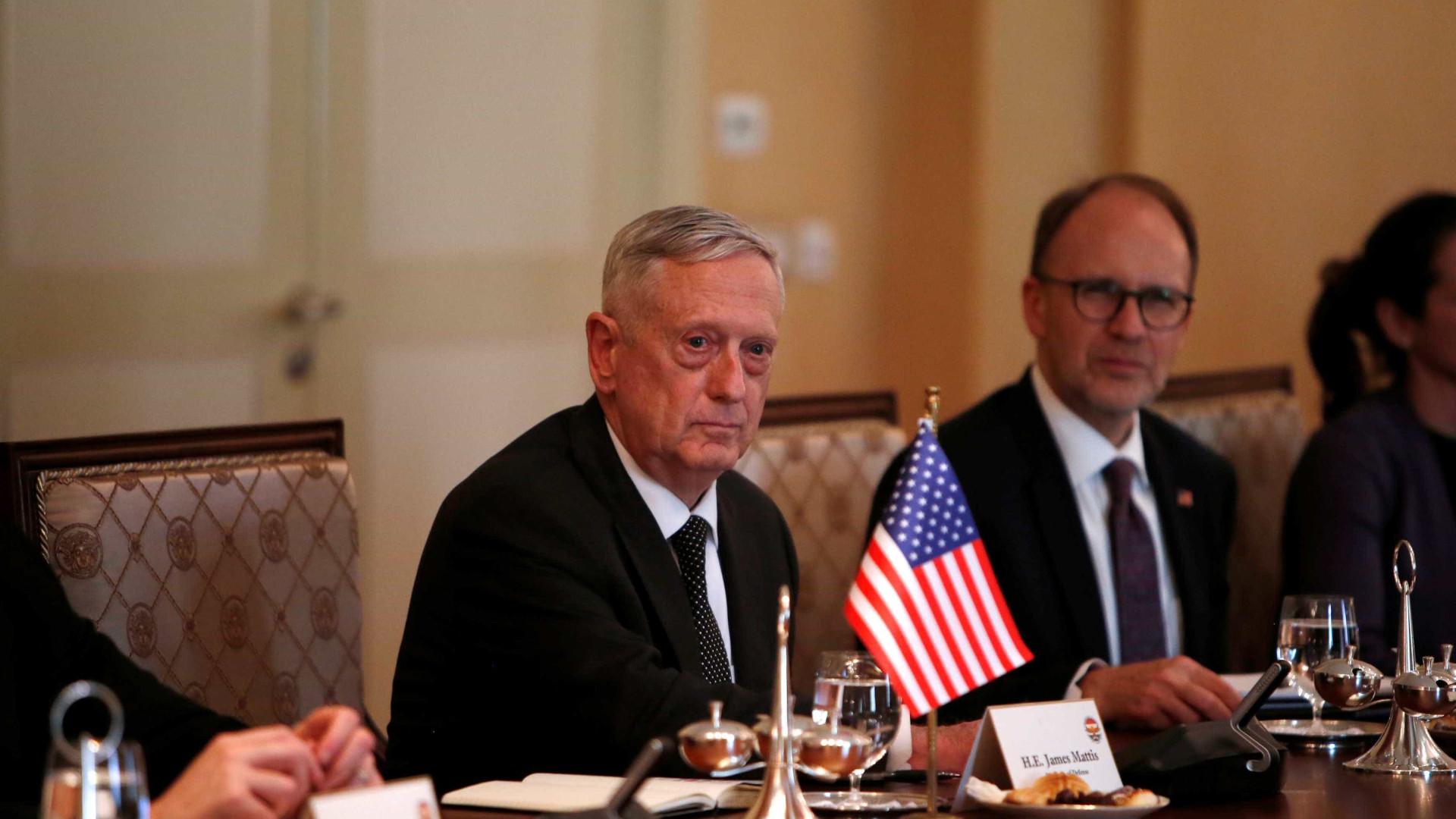 Secretário da Defesa dos Estados Unidos visita Cabul