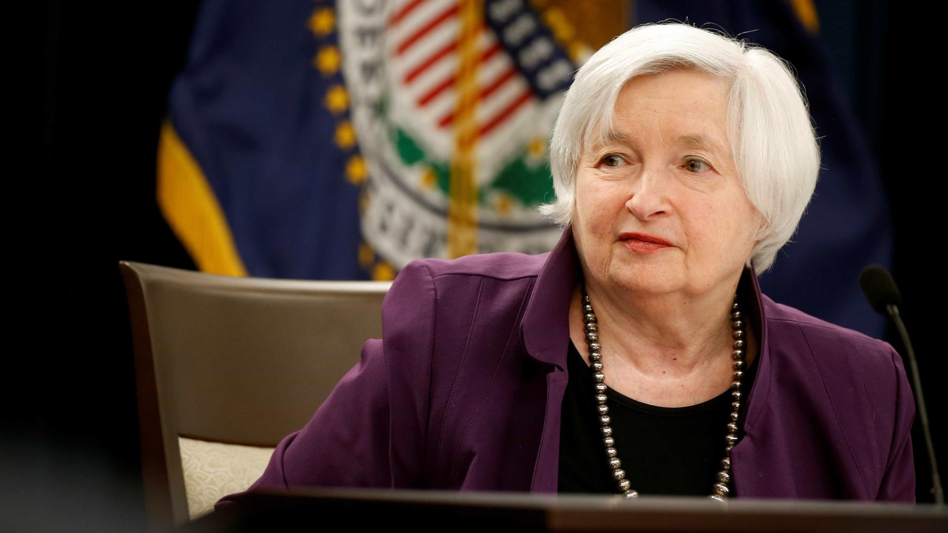 """Banco dos EUA precisa de evitar """"rápida expansão-contração"""" na economia"""