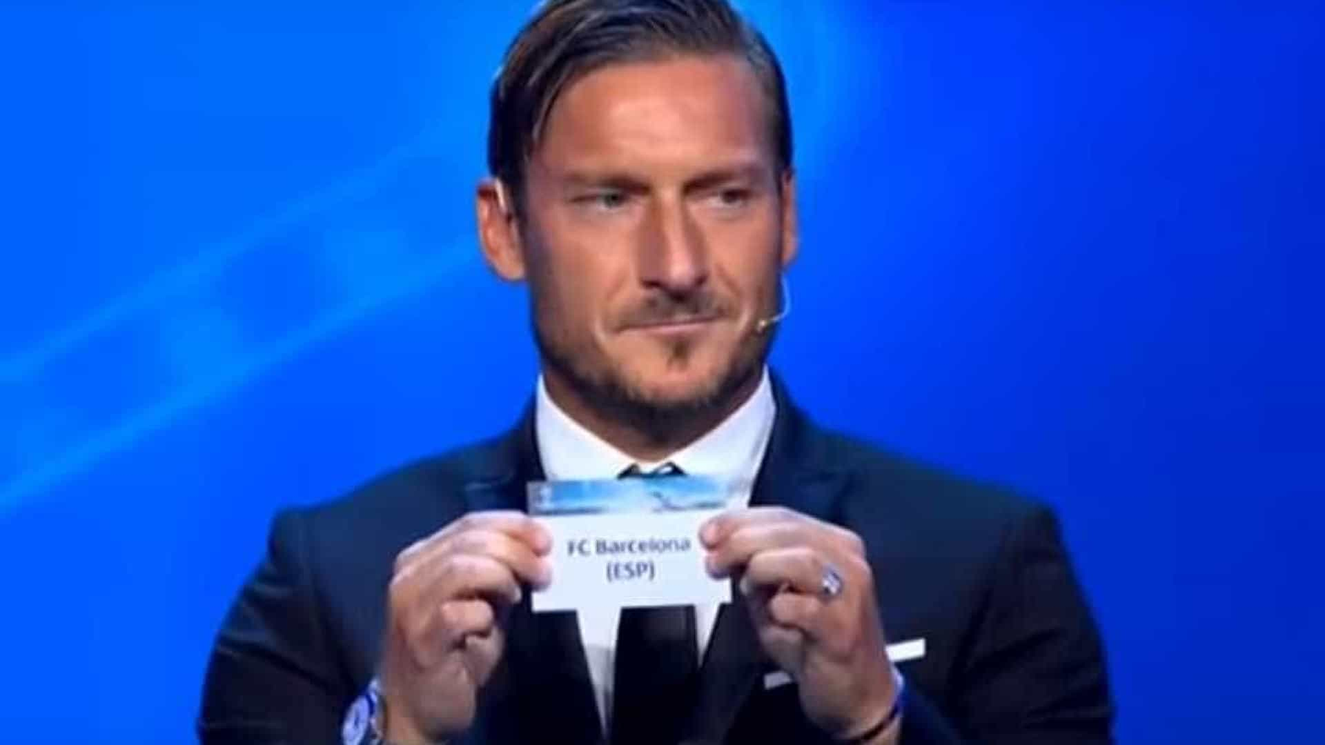 Sai o Barcelona à Juve e a reação de Totti para Buffon é... esta