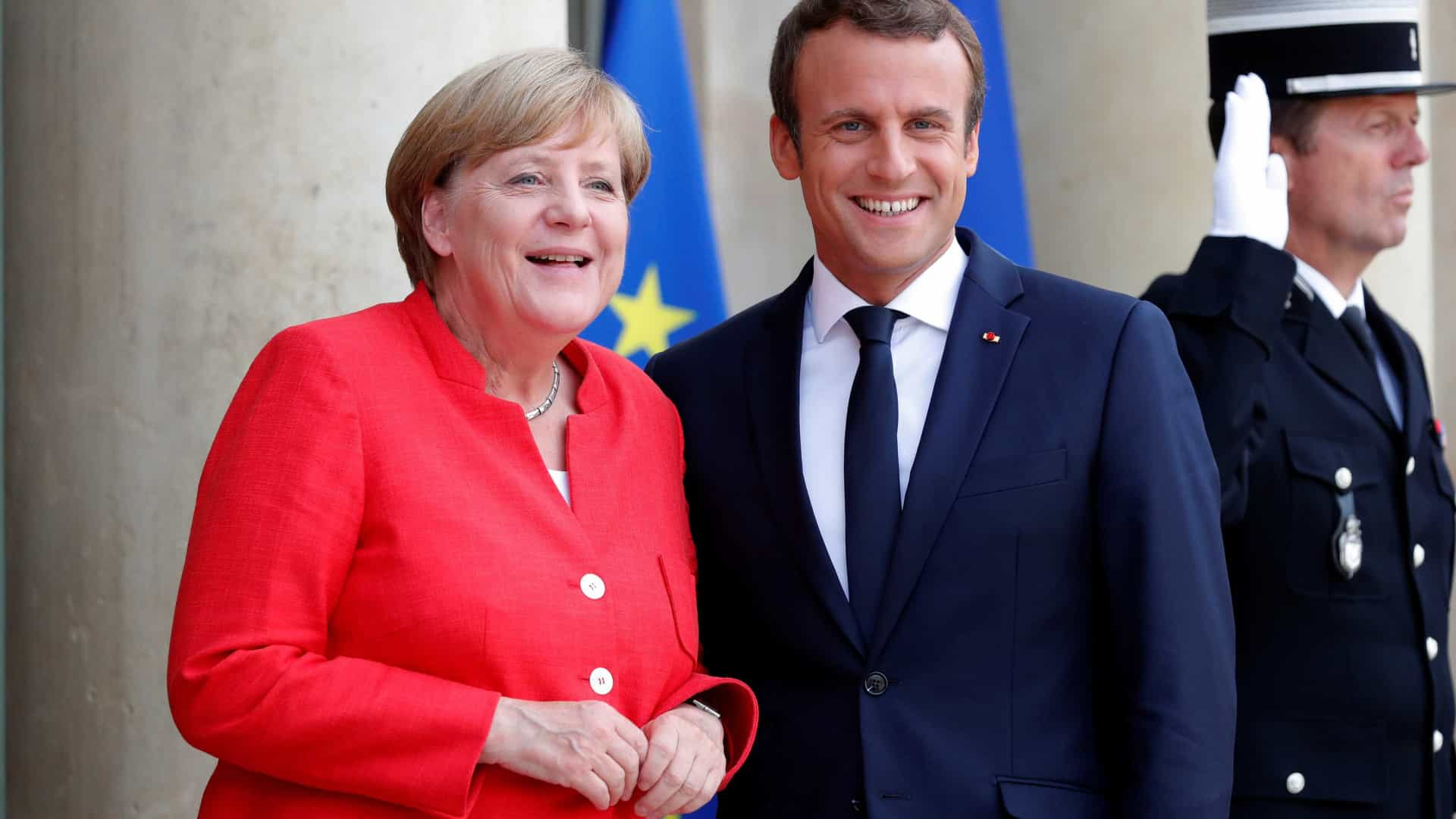 Histórico encontro entre Macron e Merkel no lugar do Armistício de 1918