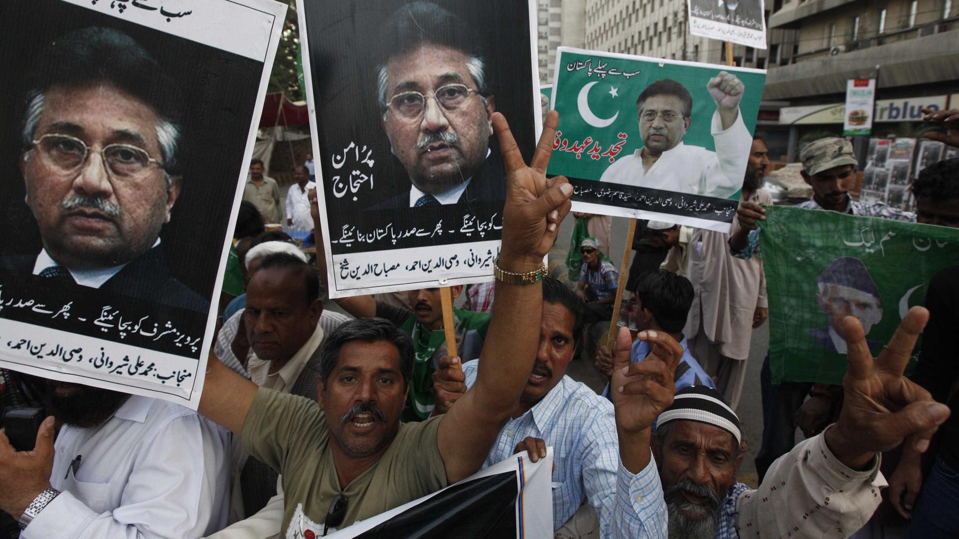 Tribunal do Paquistão impede Musharraf de participar nas eleições