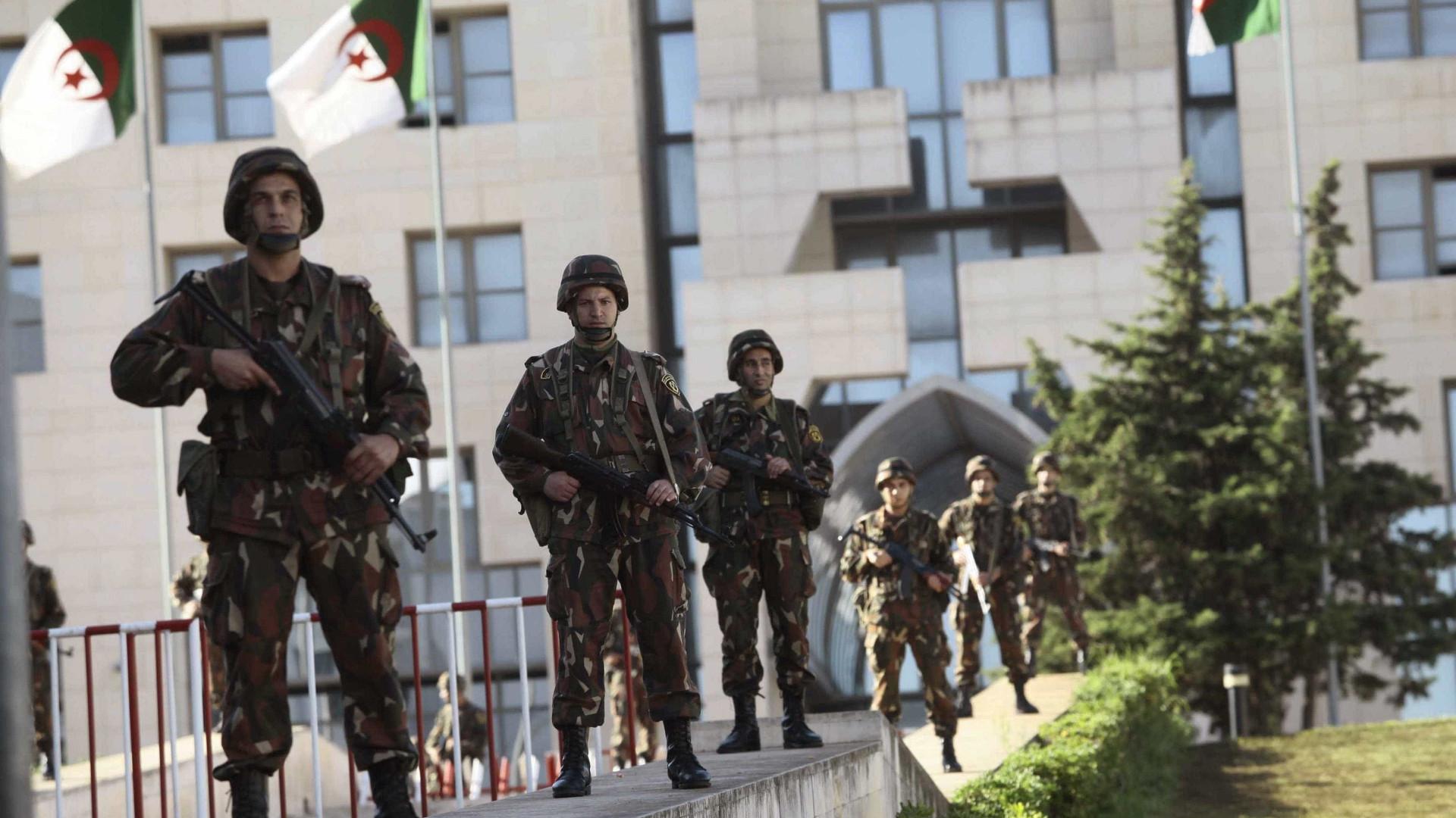 Exército argelino deteve dois presumíveis jihadistas