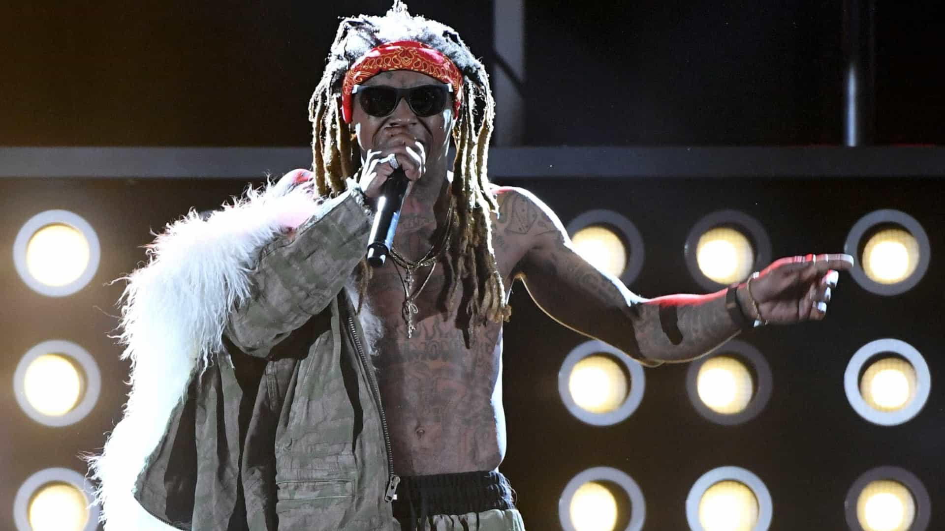 Rapper Lil Wayne hospitalizado depois de sofrer convulsão