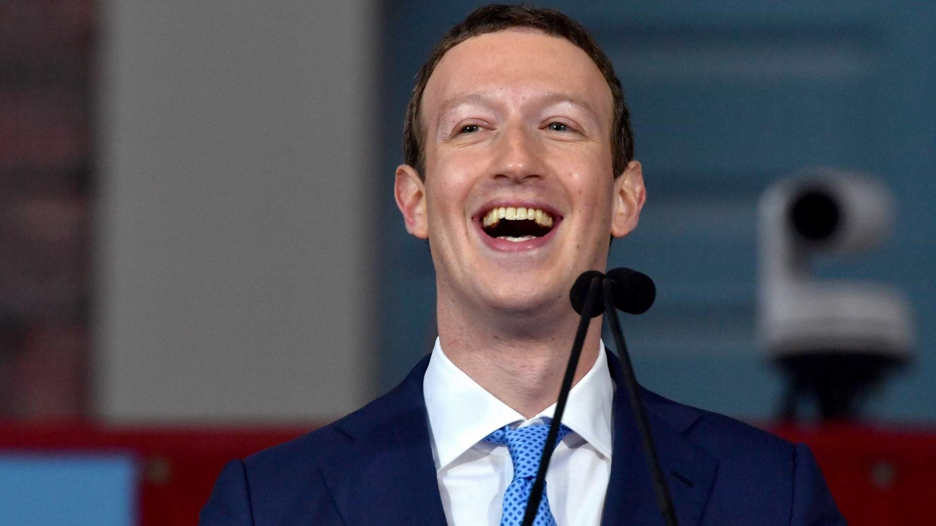 Zuckerberg é um robot? Há quem acredite que sim