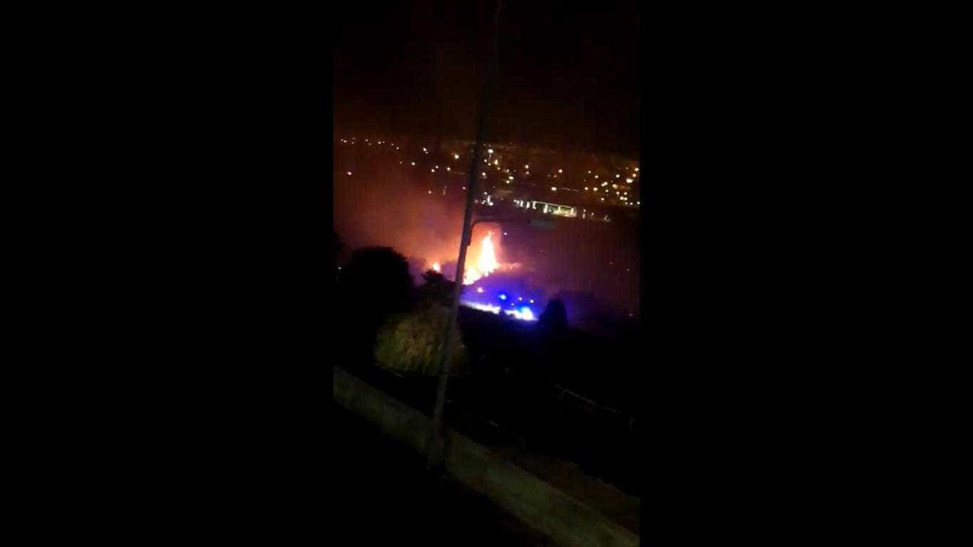 Incêndio deflagrou em Feijó, junto ao Almada Fórum