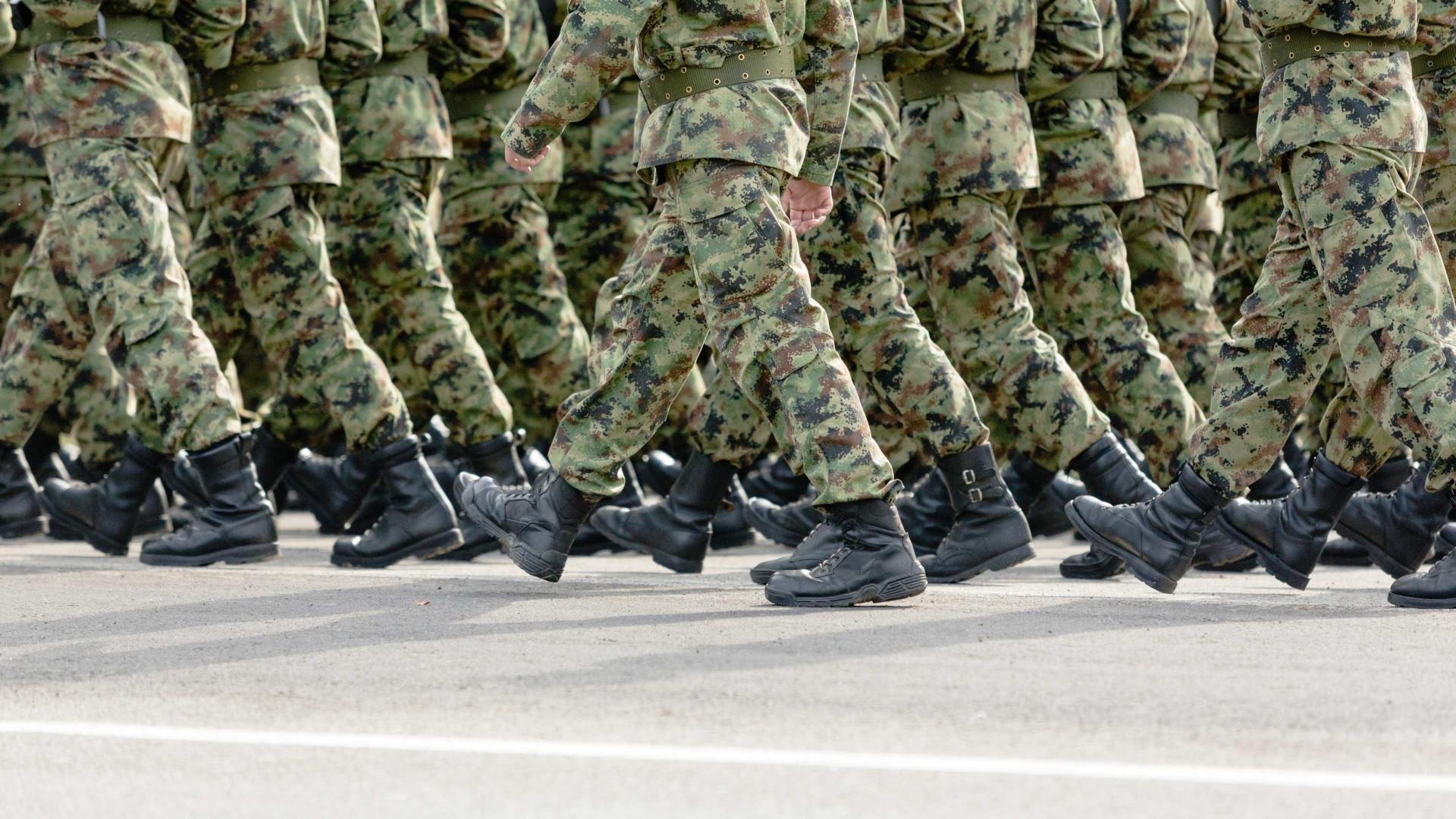 Setenta militares sobem na carreira após extinção do posto de furriel