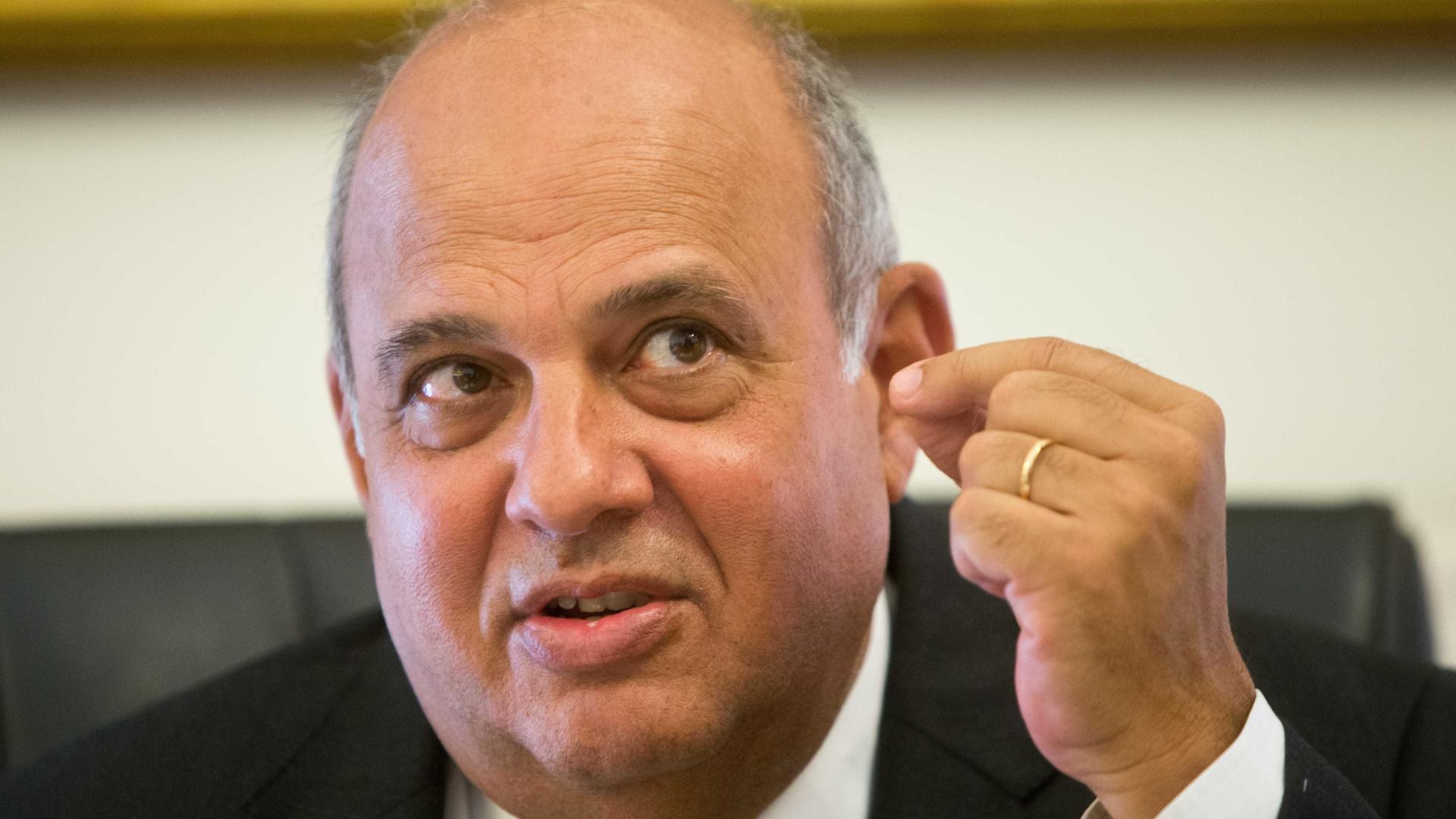 Tancos: PSD e CDS querem ouvir Azeredo Lopes no Parlamento