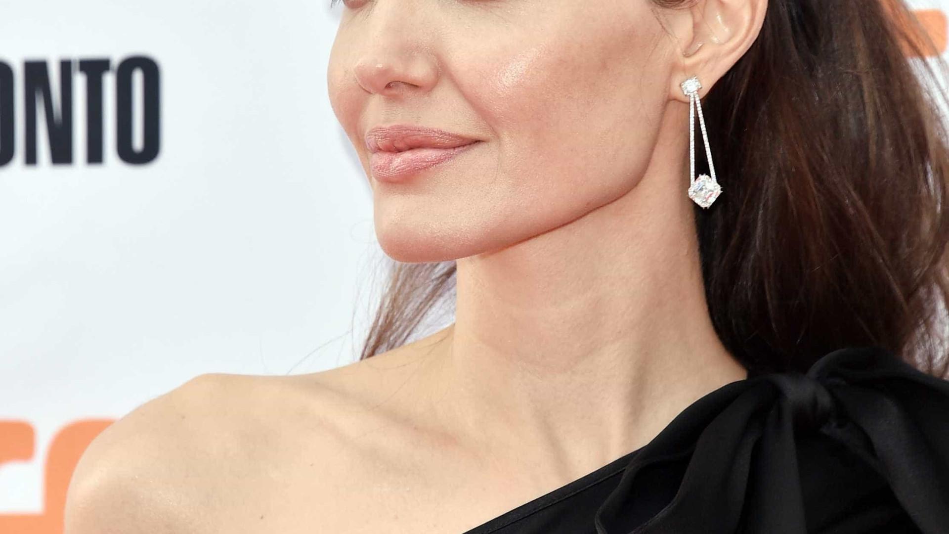 Angelina Jolie dublará personagem em novo filme da Disney