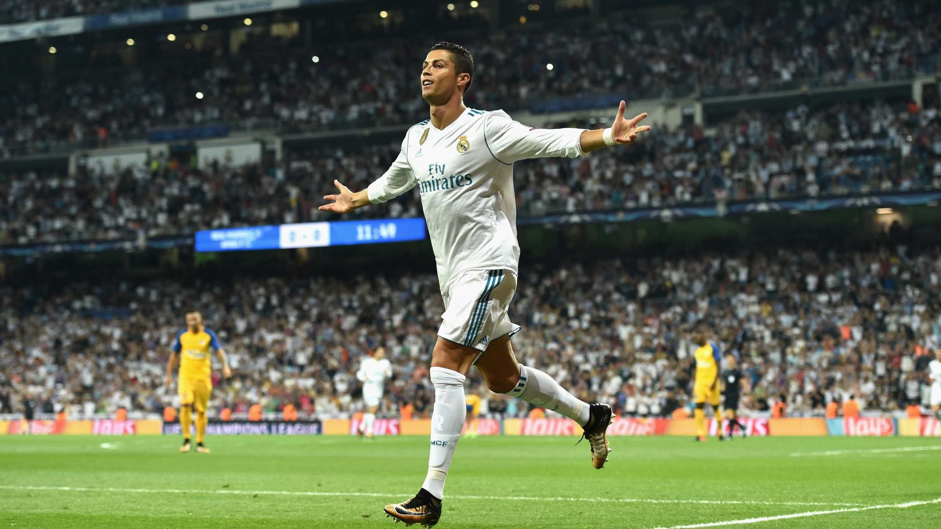 """Zidane rende-se em elogios a CR7: """"É o melhor do mundo"""""""