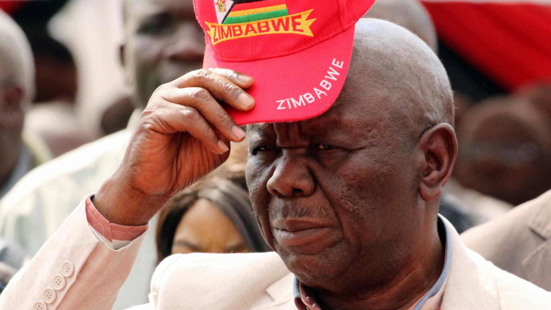 Amnistia elogia líder da oposição do Zimbabué que morreu quarta-feira