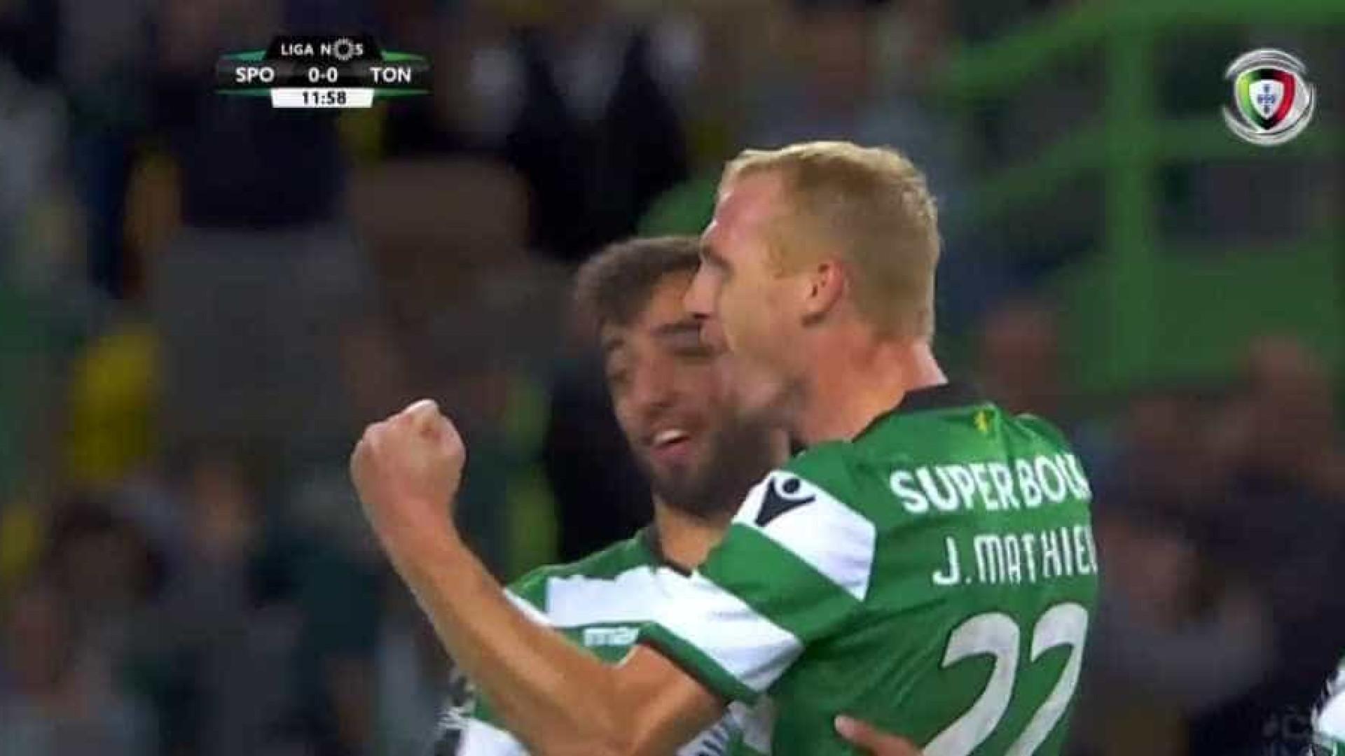 Mathieu abriu marcador do Sporting-Tondela com livre exímio