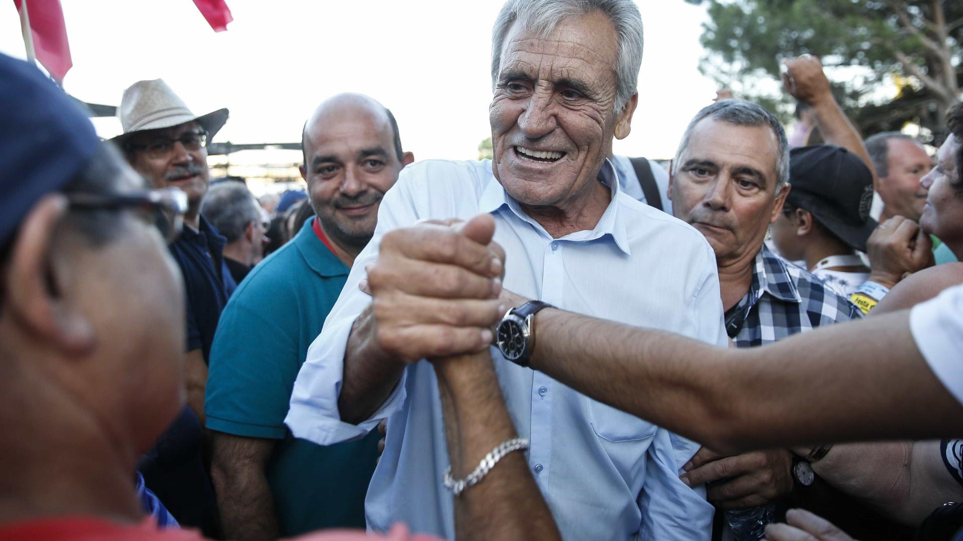 PCP incita PS, PSD e CDS a reporem 25 dias de férias na Função Pública